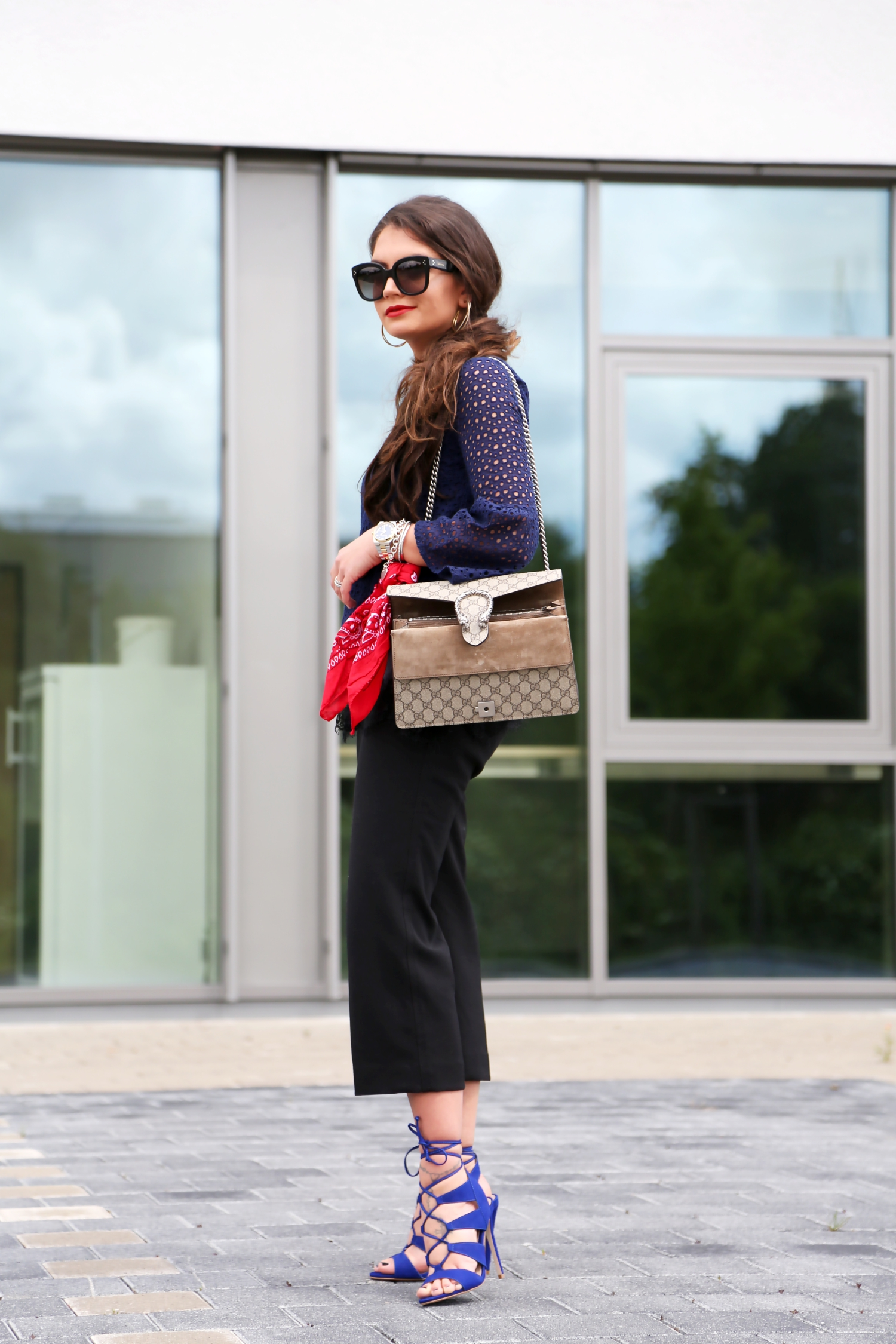 outfit-culottes-edited-lace-shirt-gucci-dionysus-bag