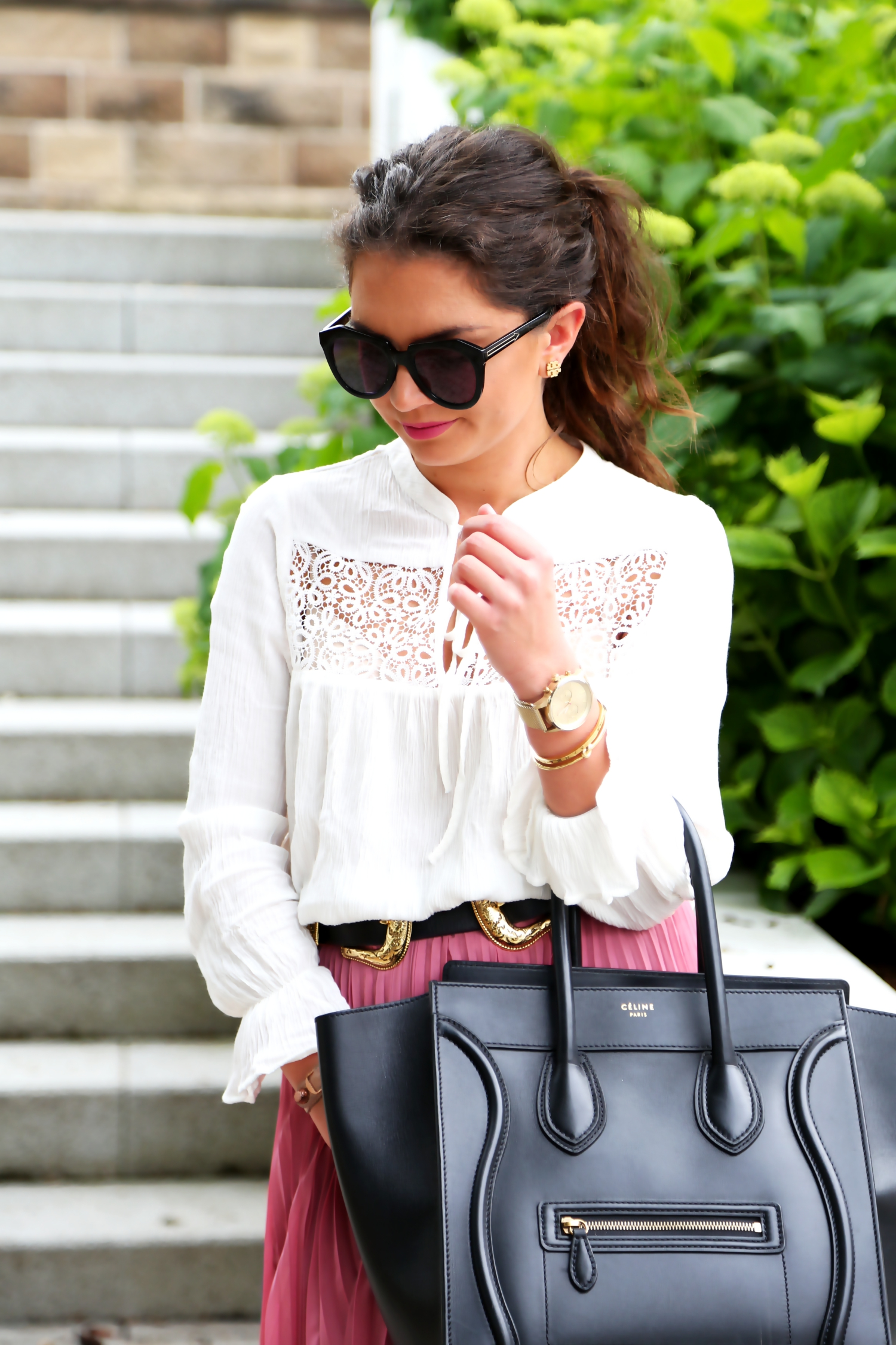 outfit-details-white-blouse-pleated-skirt-celine-luggage-bag
