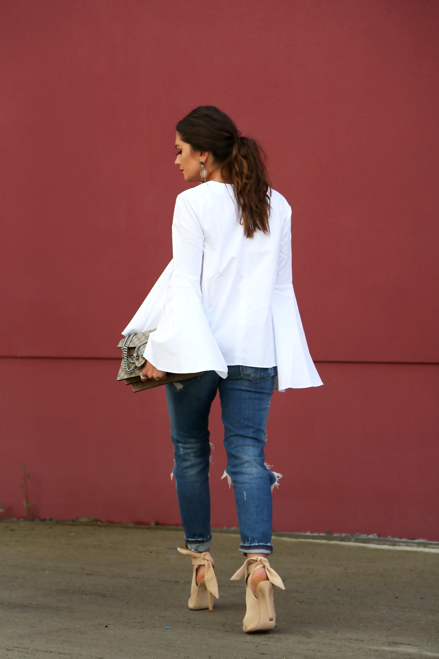 outfit-ripped-jeans-white-blouse-gucci-dionysus
