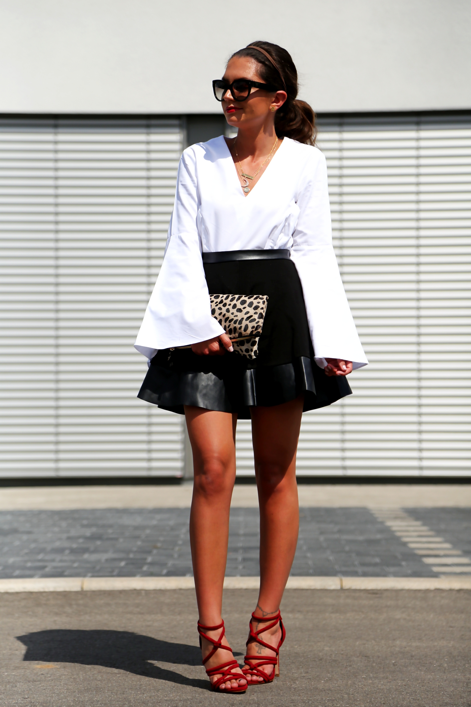Outfit Blackwhitered and a touch of leo - FashionHippieLoves