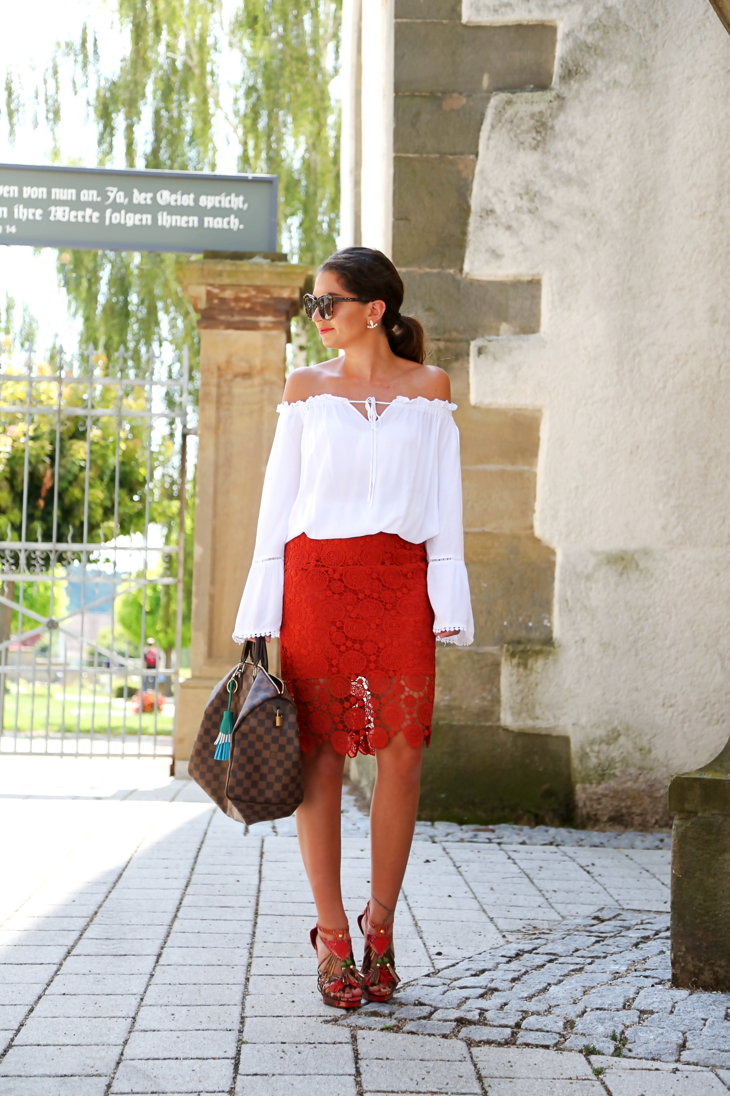 outfit-lace-skirt-edited-off-shoulder-blouse-karenwalker-sunglasses-louisvuitton-speedy-35
