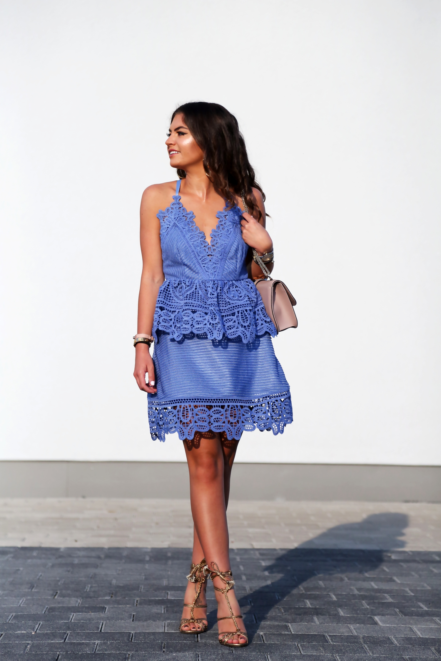 outfit-selfportrait-lace-dress-trim-peplum-valentino-garavani-rockstud-glam-lock-bag-nude