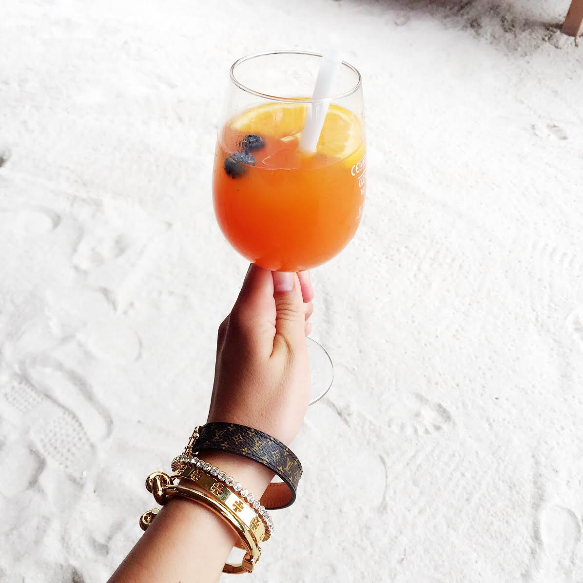 cocktail-armcandy
