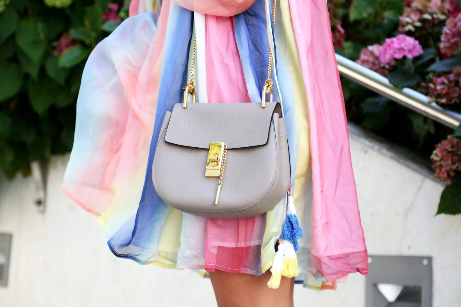 outfit-details-chloe-drew-bag-dress