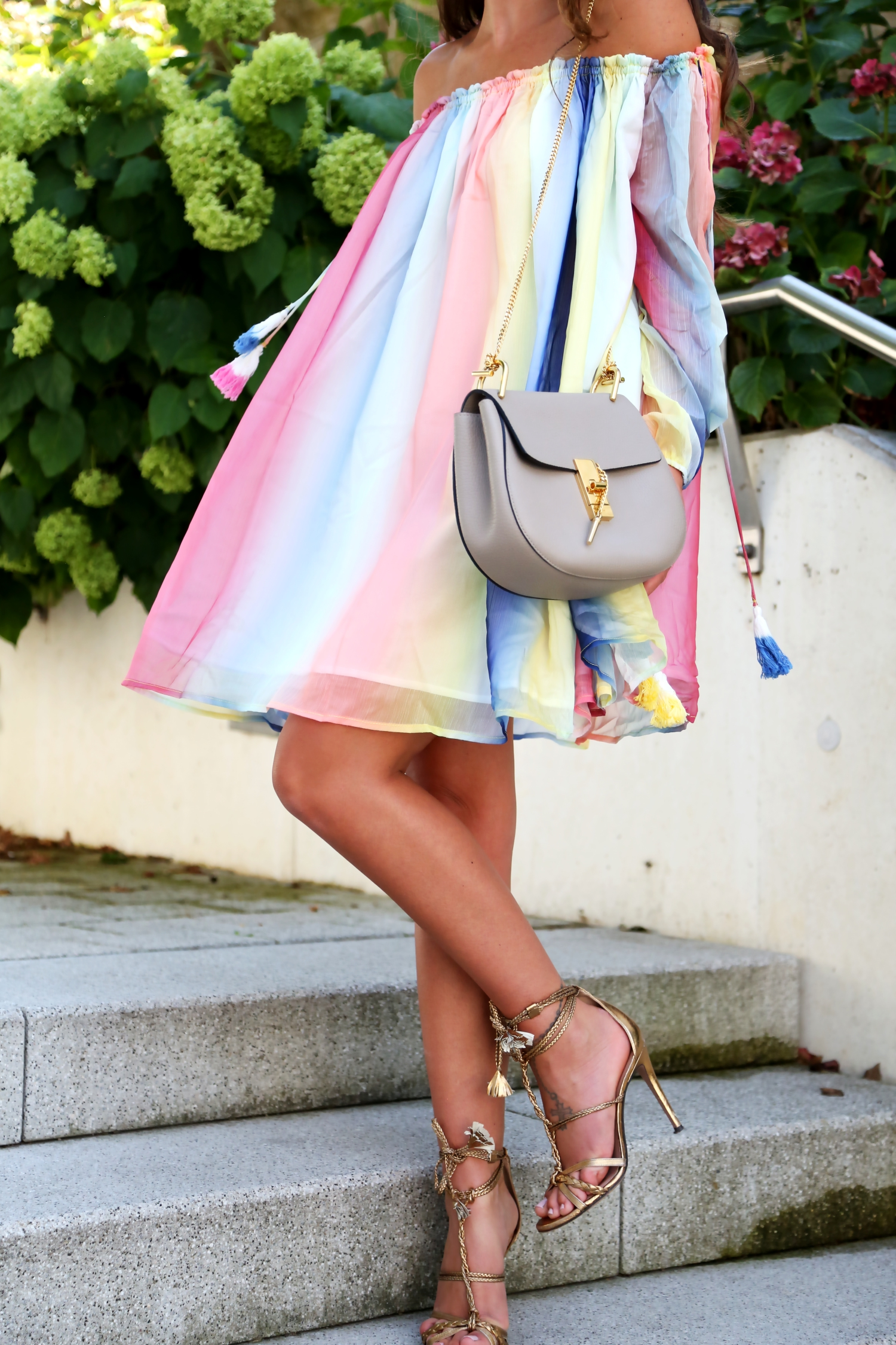 outfit--multi-watercolor-dress-chloe-drew-bag