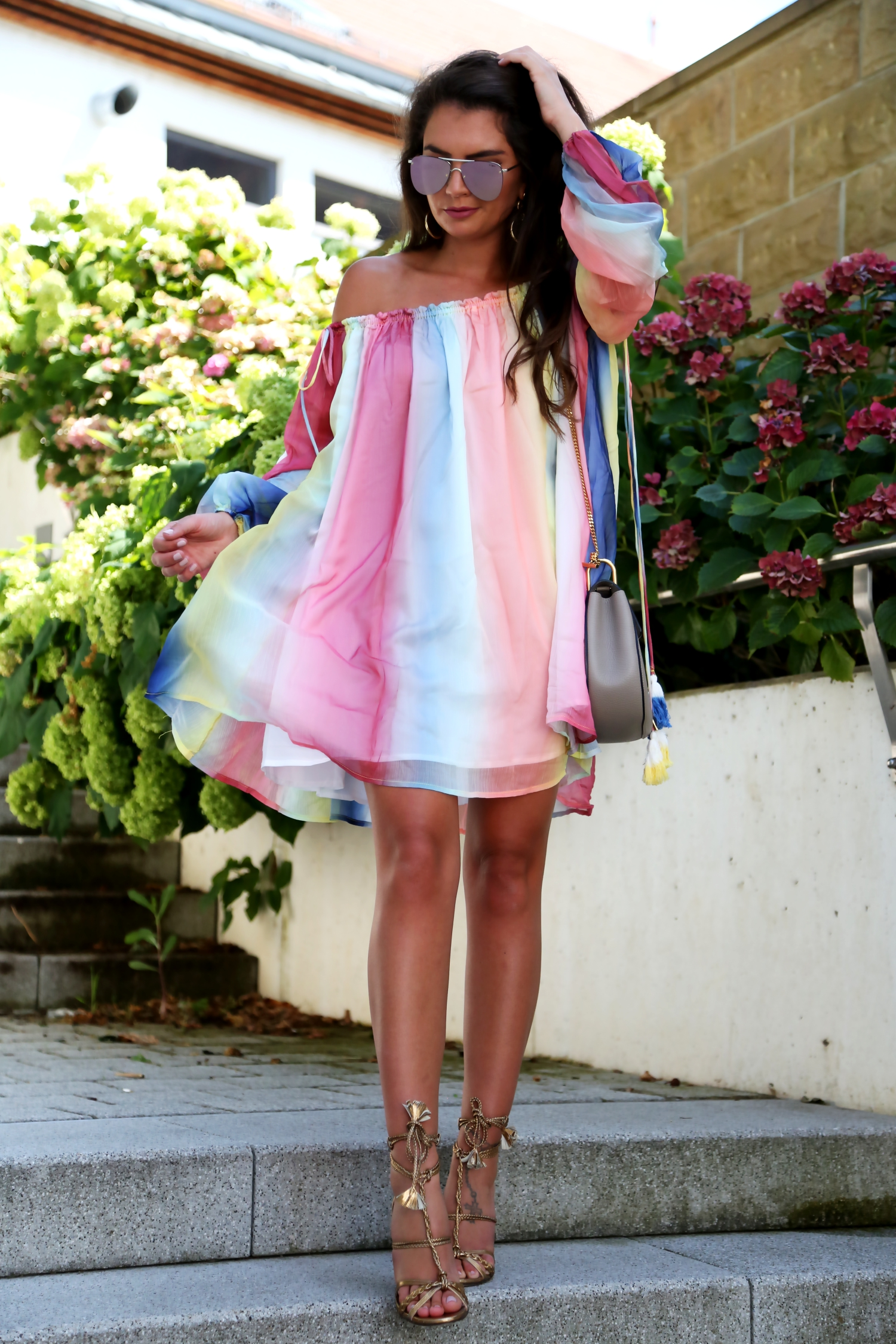 outfit-watercolor-dress-summer-look-chloe-drew-bag