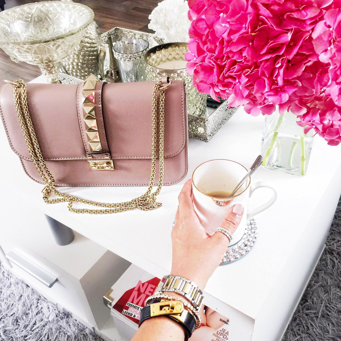 valentino-bag-coffee-time-hermes-bracelet
