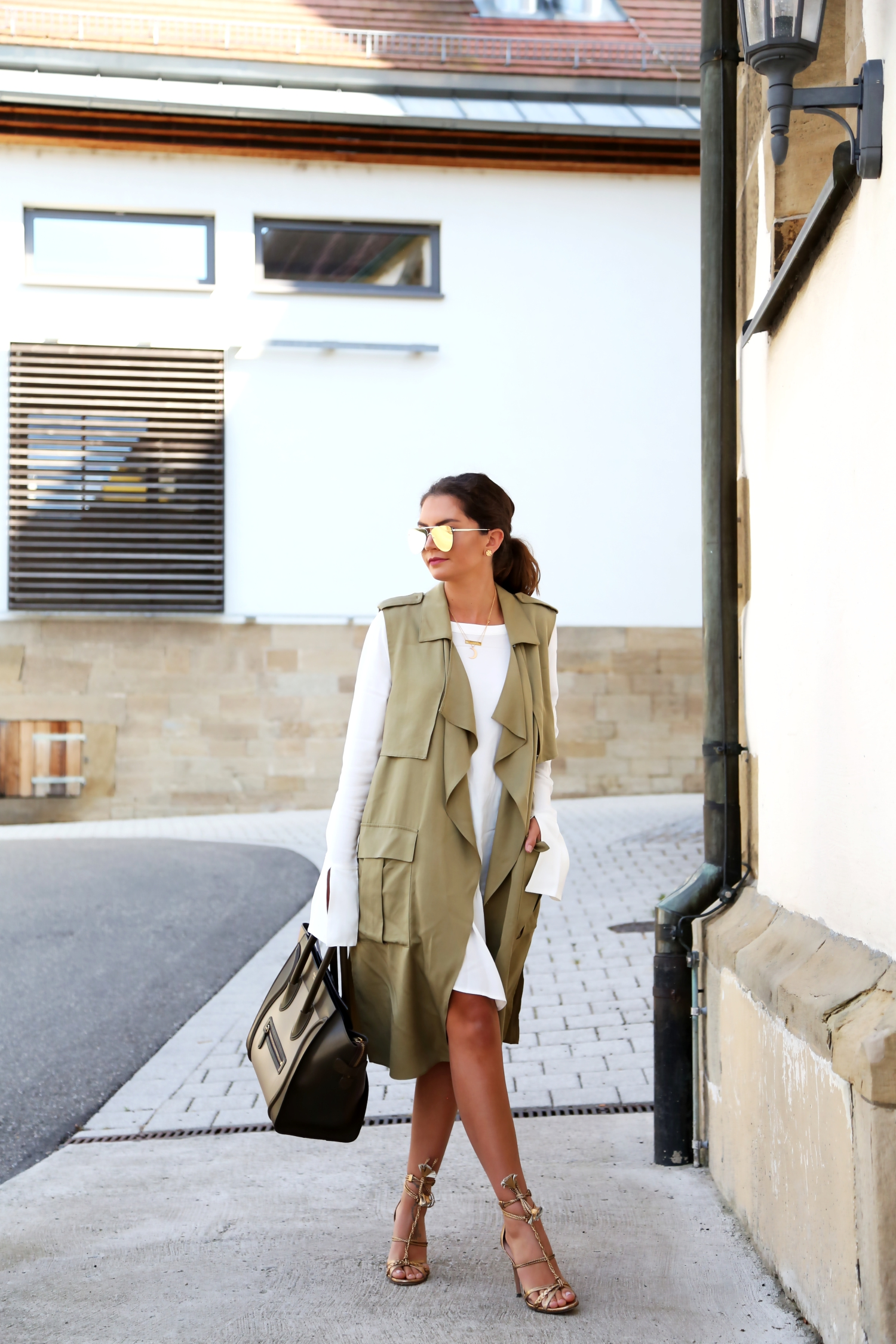 outfit-celine-luggage-white-blouse-edited