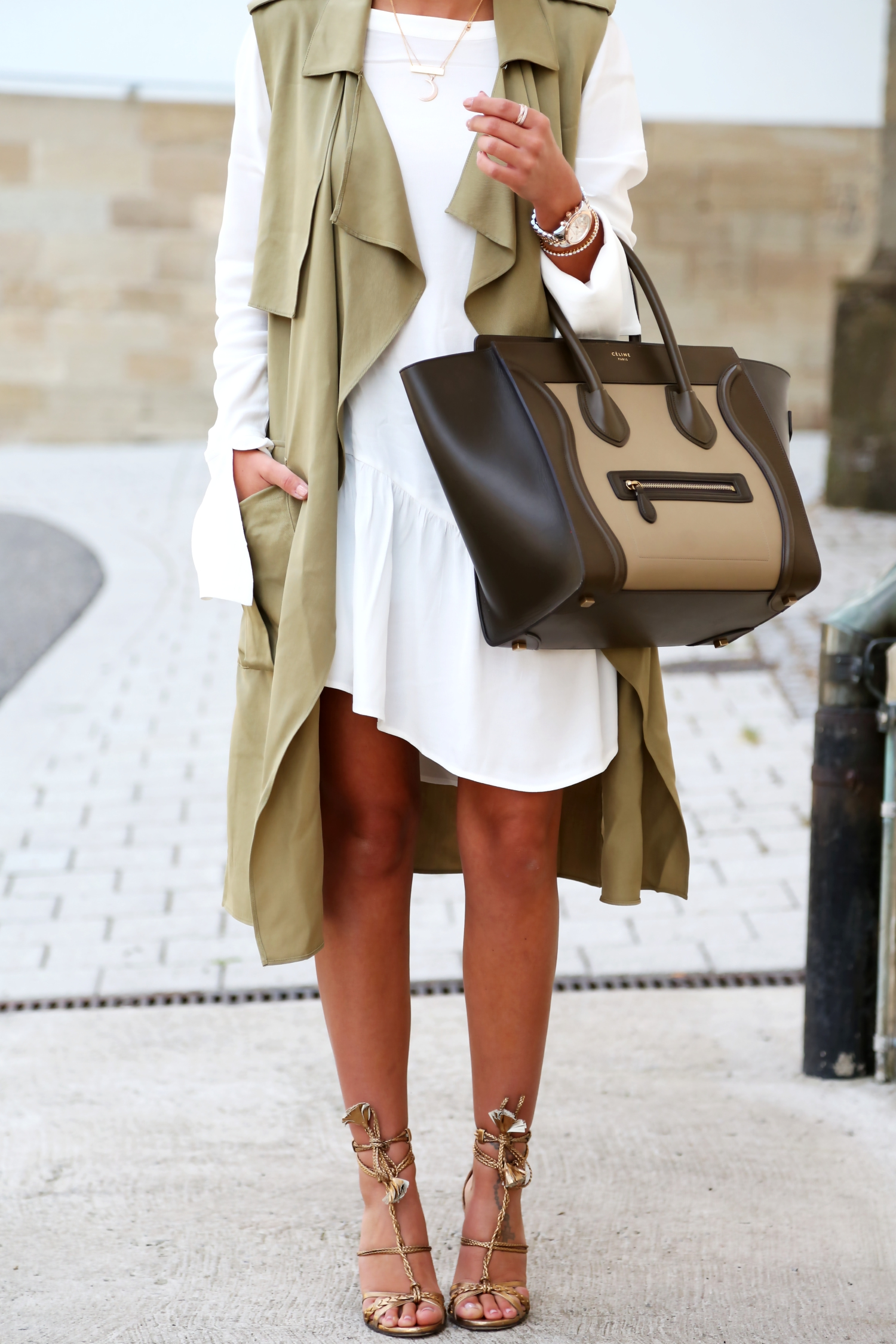 outfit-edited-long-blouse-celine-luggage-bag