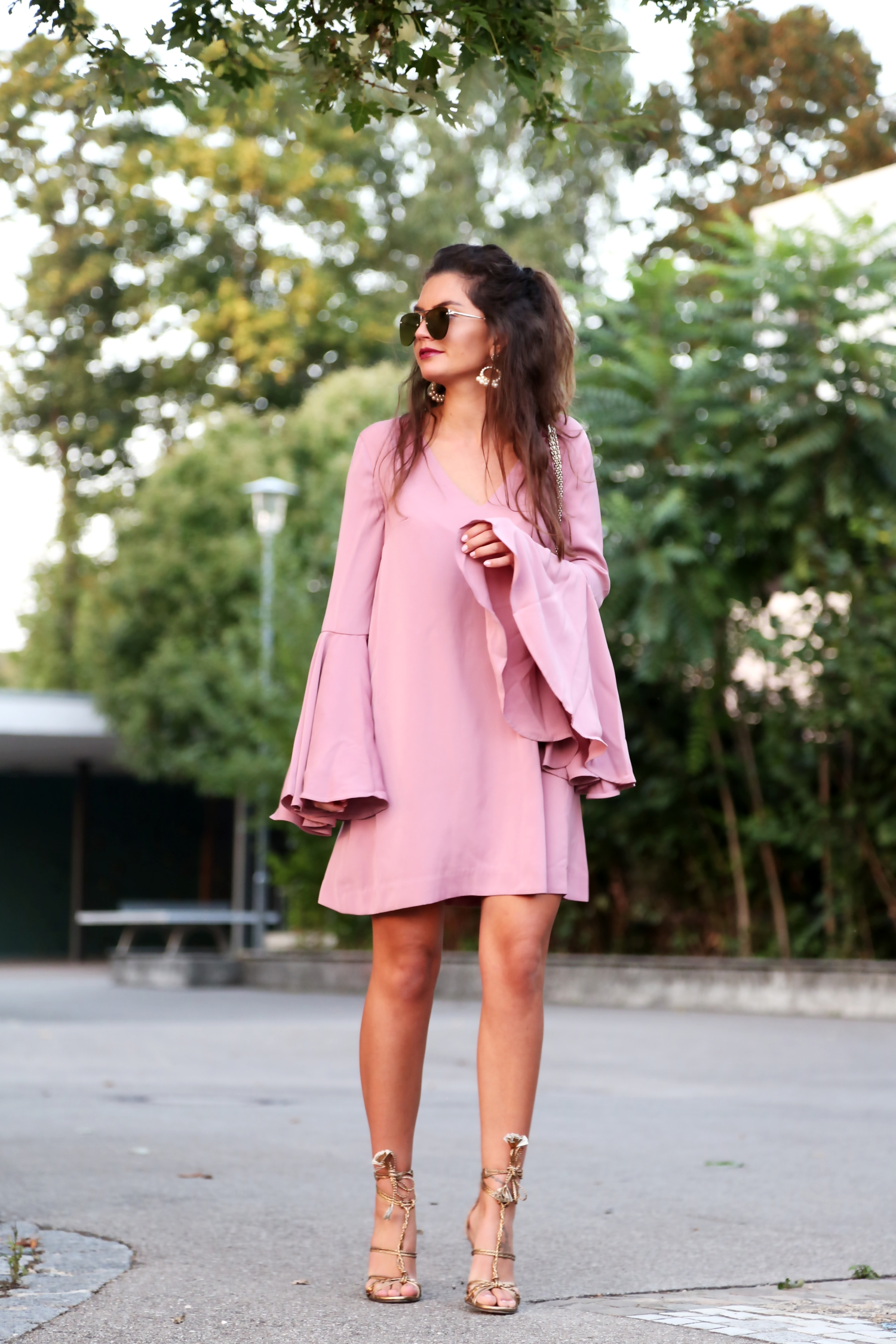 outfit-keepsake-dress-valentino-bag