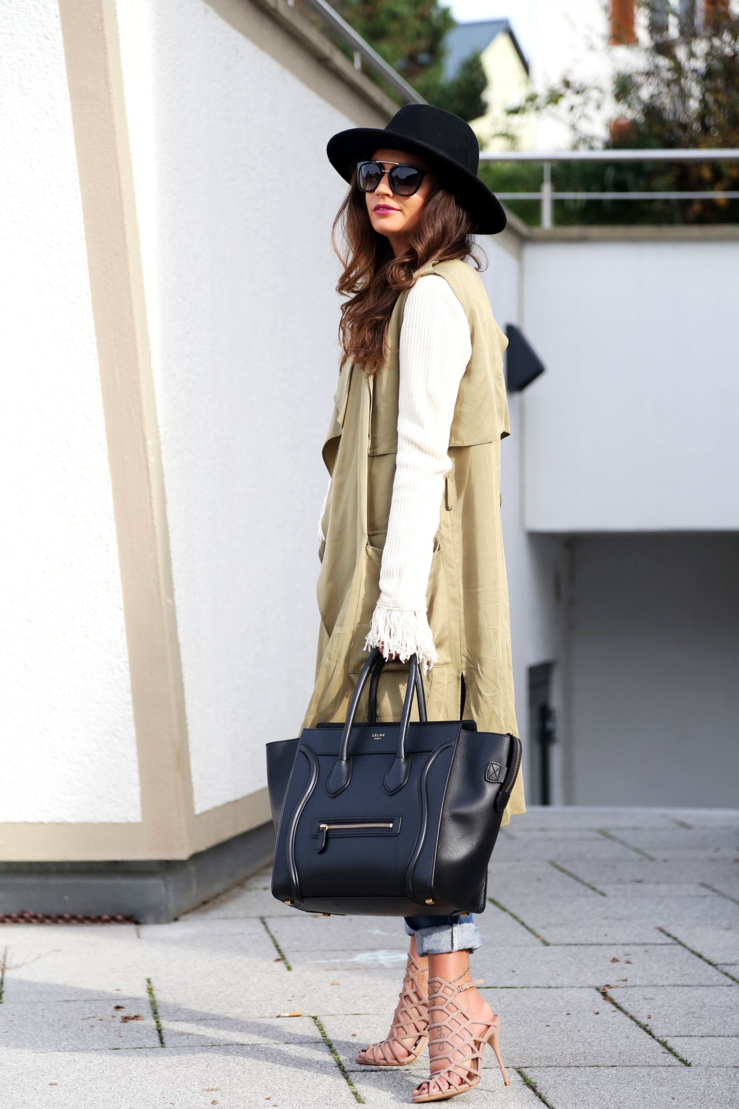 outfit-details-celine-luggage-bag-schutz-sandals-autumn-fall-look-german-fashionblogger