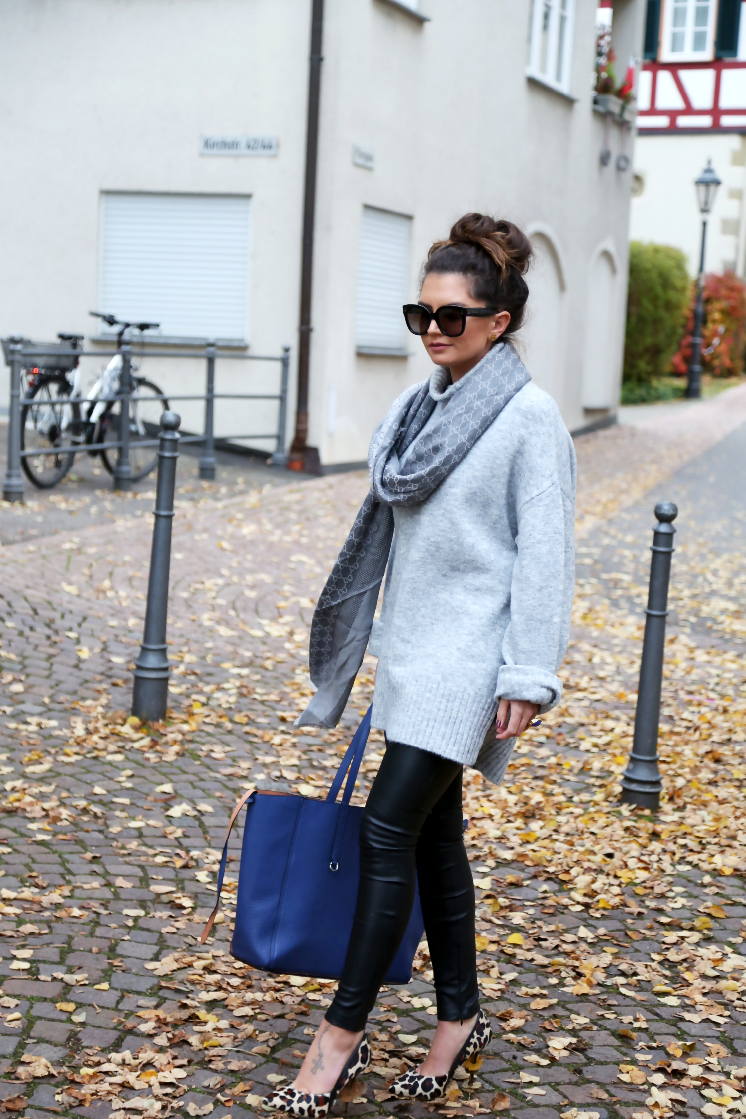 outfit-edited-sweater-bungalow-liebeskind-bag-celine-sunglasses-gucci-scarf