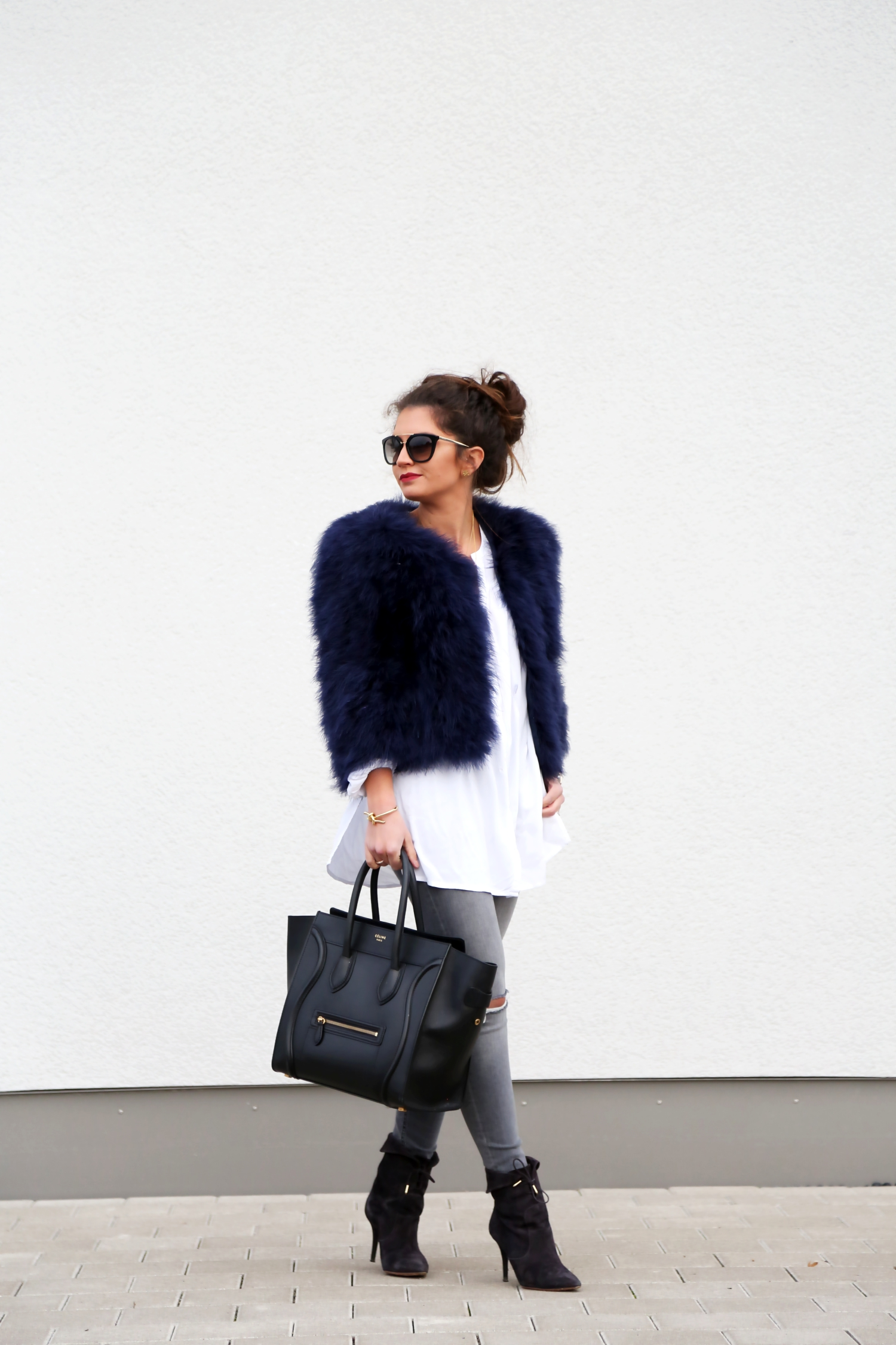 outfit-fall-autmn-aquazzura-celine-luggage-prada-sunglasses-edited-blouse-feather-jacket