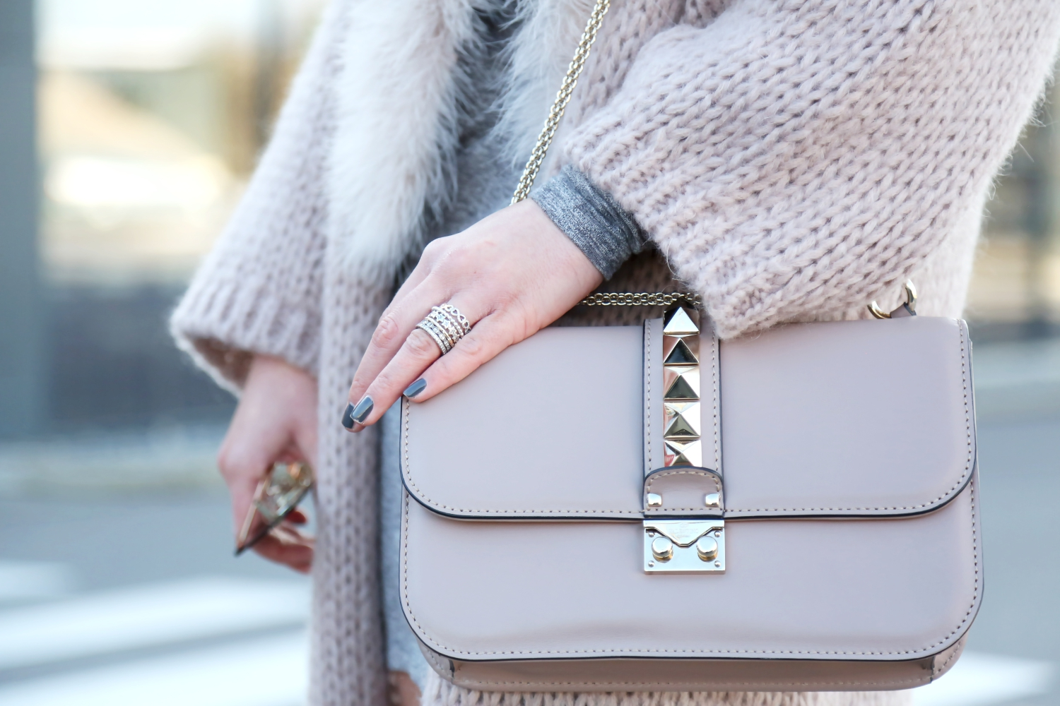 outfit-details-valentino-glam-lock-bag-pandora-ring-stack