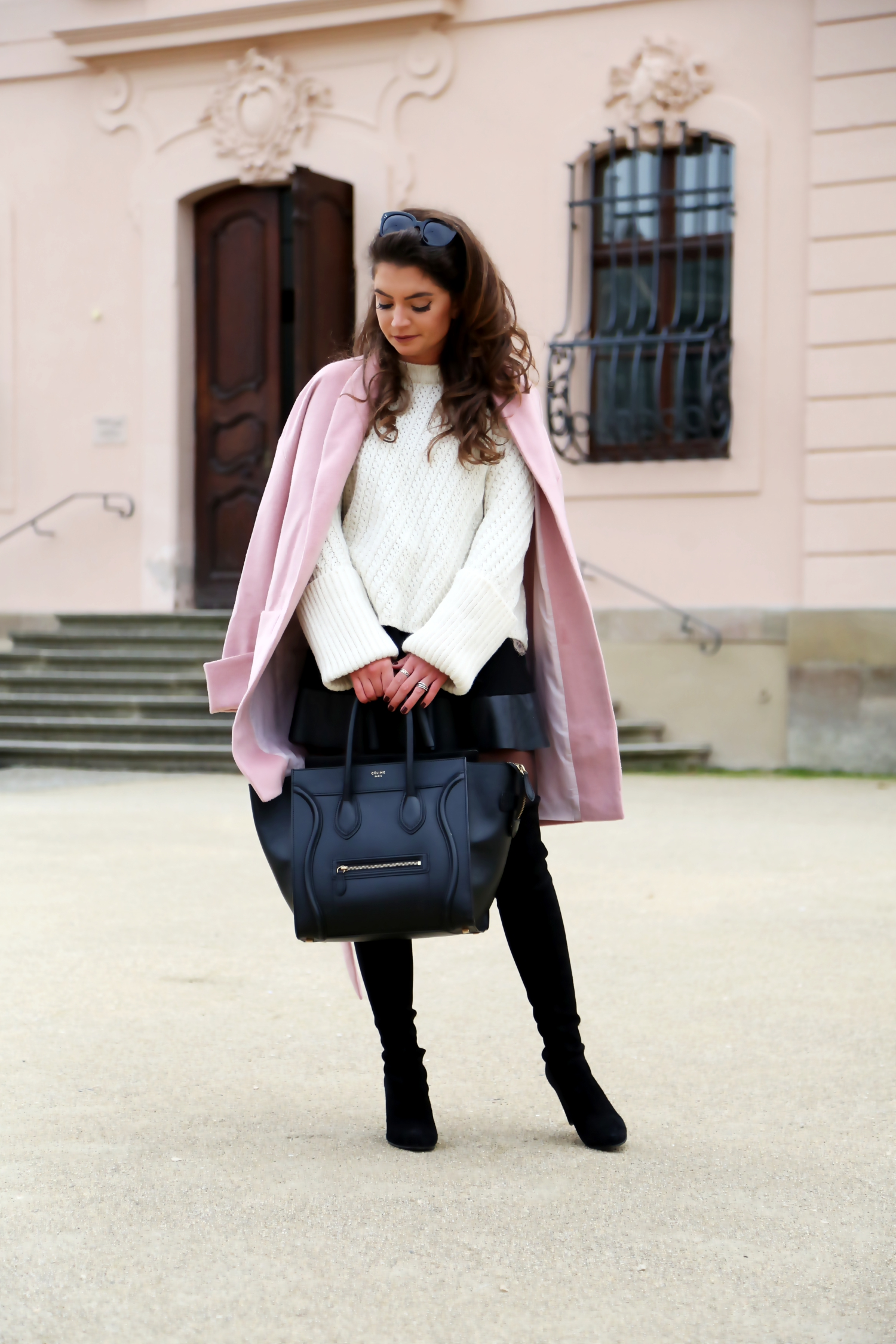 outfit-edited-coat-stuart-weitzman-celine-luggage-fall-herbst