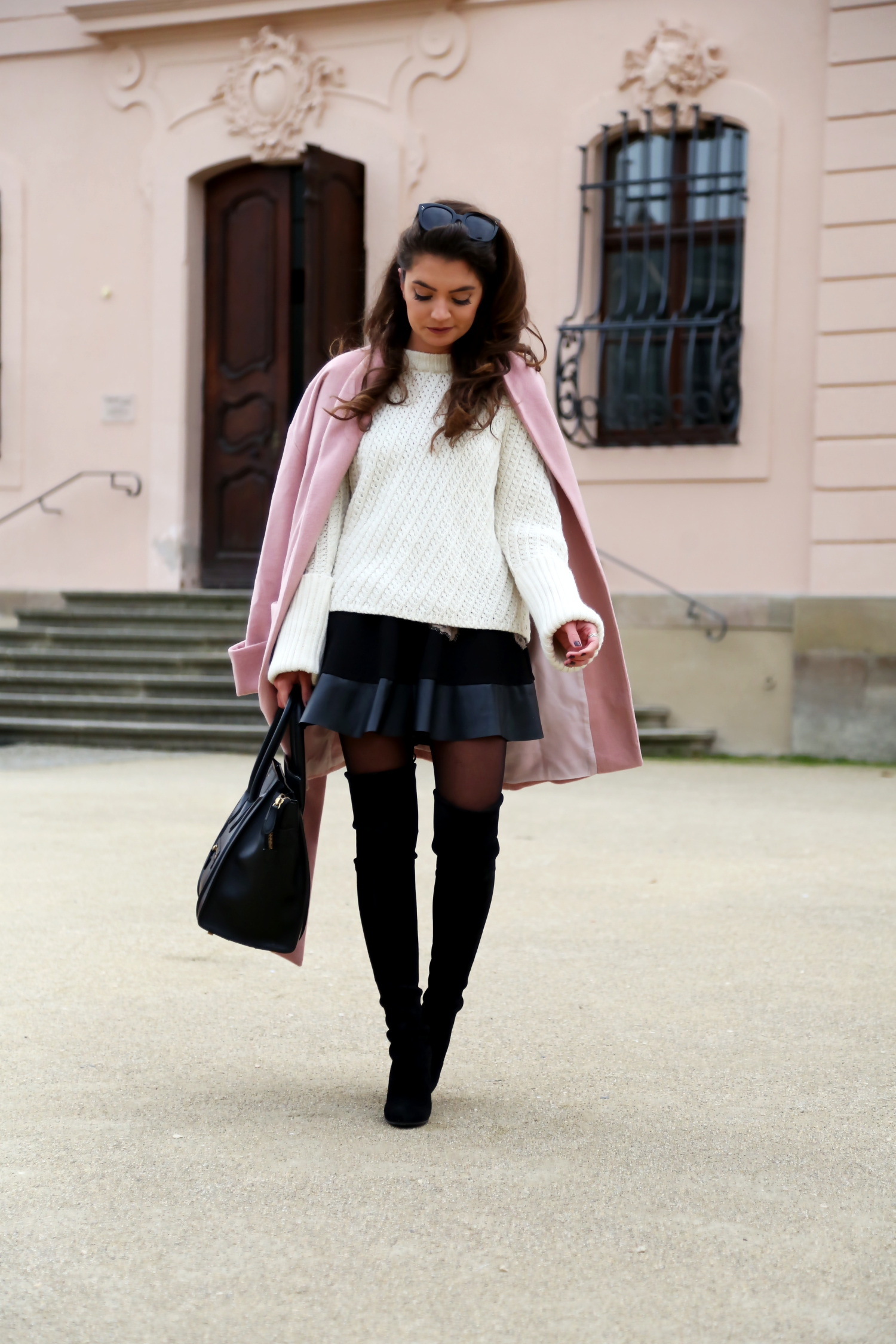 outfit-edited-white-sweater-pink-oversized-coat-stuartweitzman-overknees-fall-look