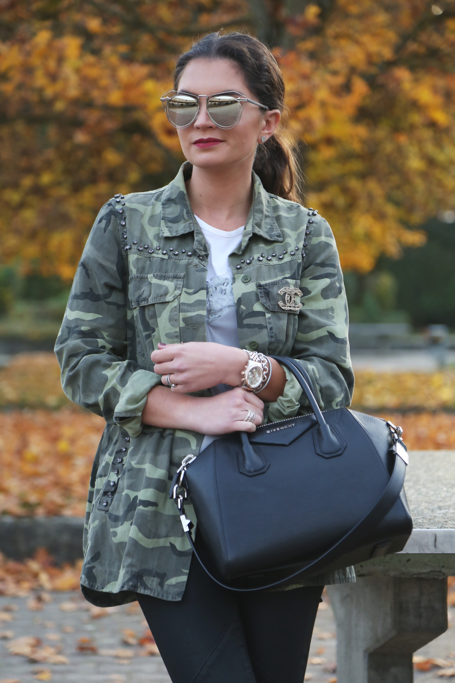 outfit-givenchy-bag-karen-walker-sunglasses-parka-military