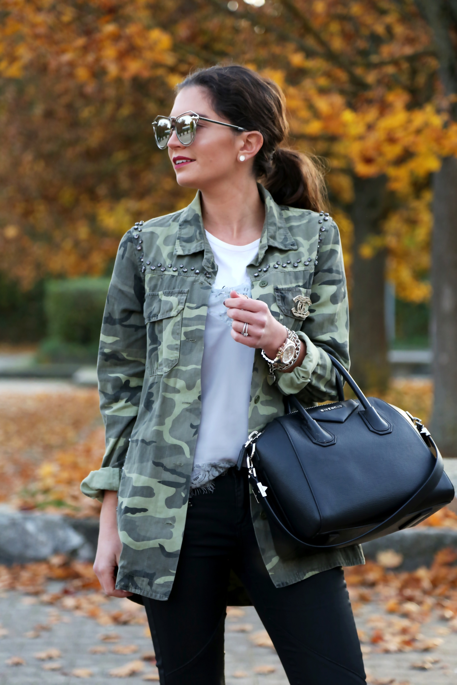 outfit-parka-chanel-brooch-givenchy-bag-karen-walker-sunglasses