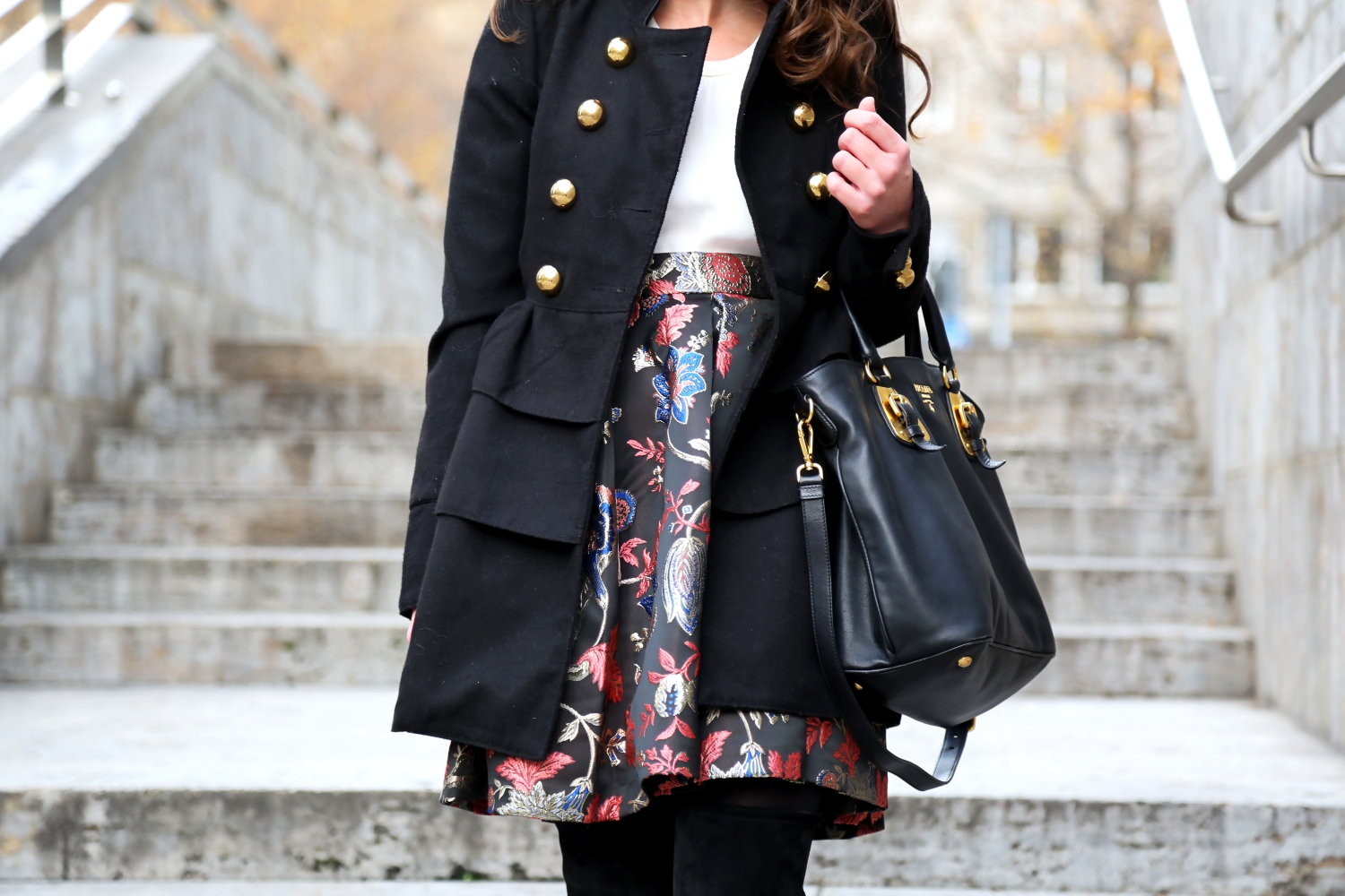 outfit-details-guess-skirt-military-coat