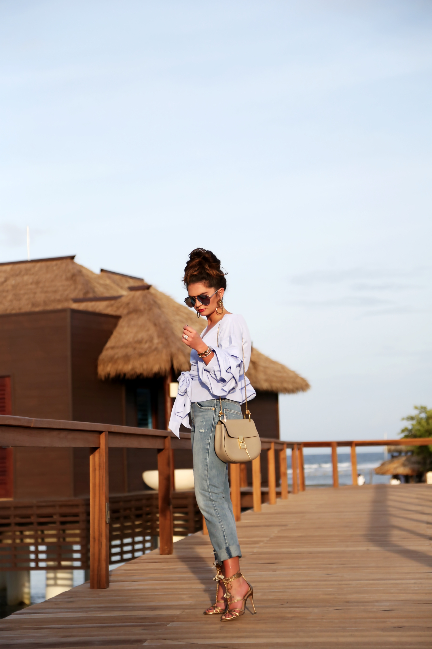 outfit-overthewatervilla-jamaica-levis-jeans-chloe-bag