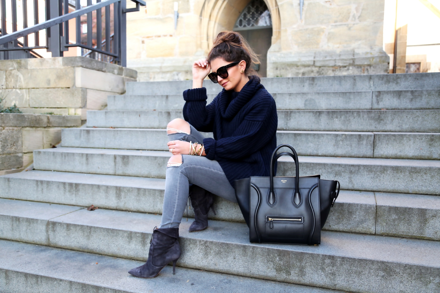 outfit-winter-look-aquazzura-booties-celine-luggage