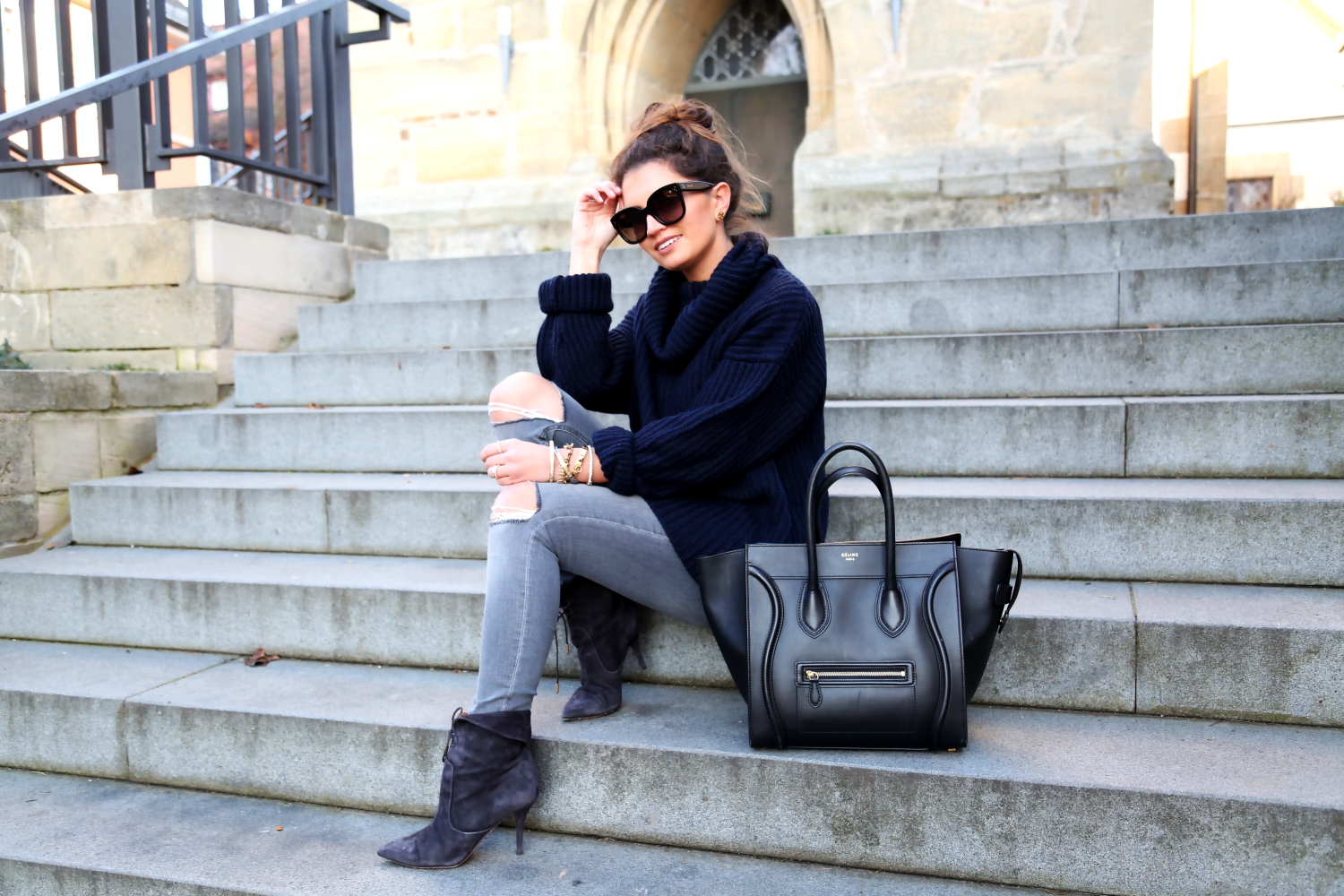 outfit-winter-look-celine-luggage