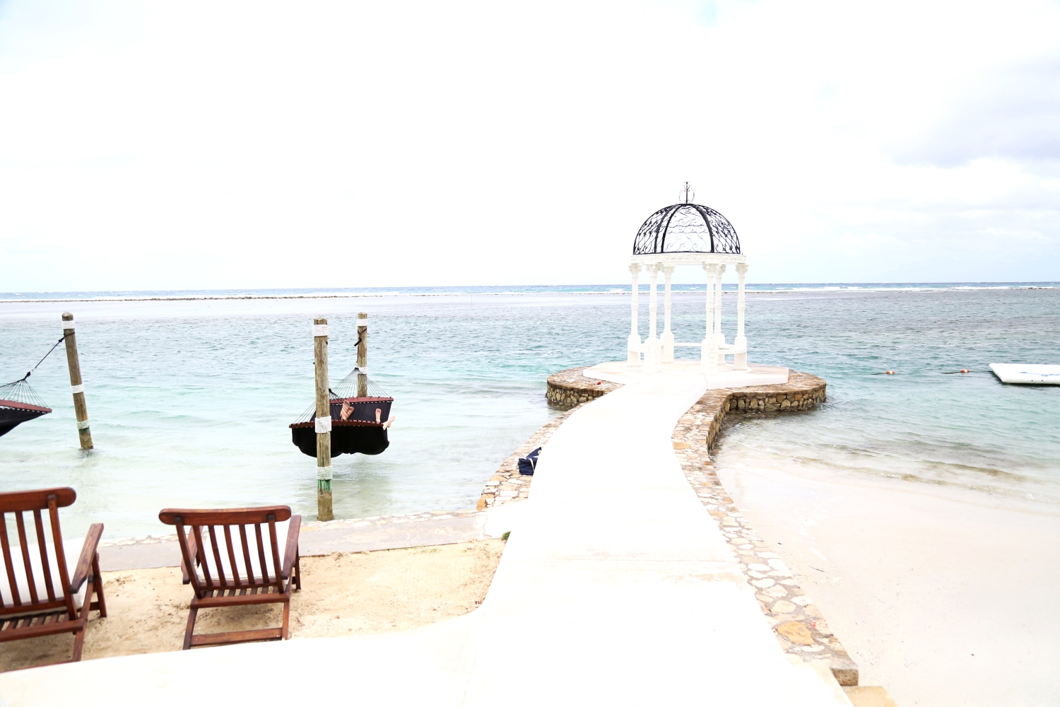 sandals-royal-caribbean-beach-jamaica