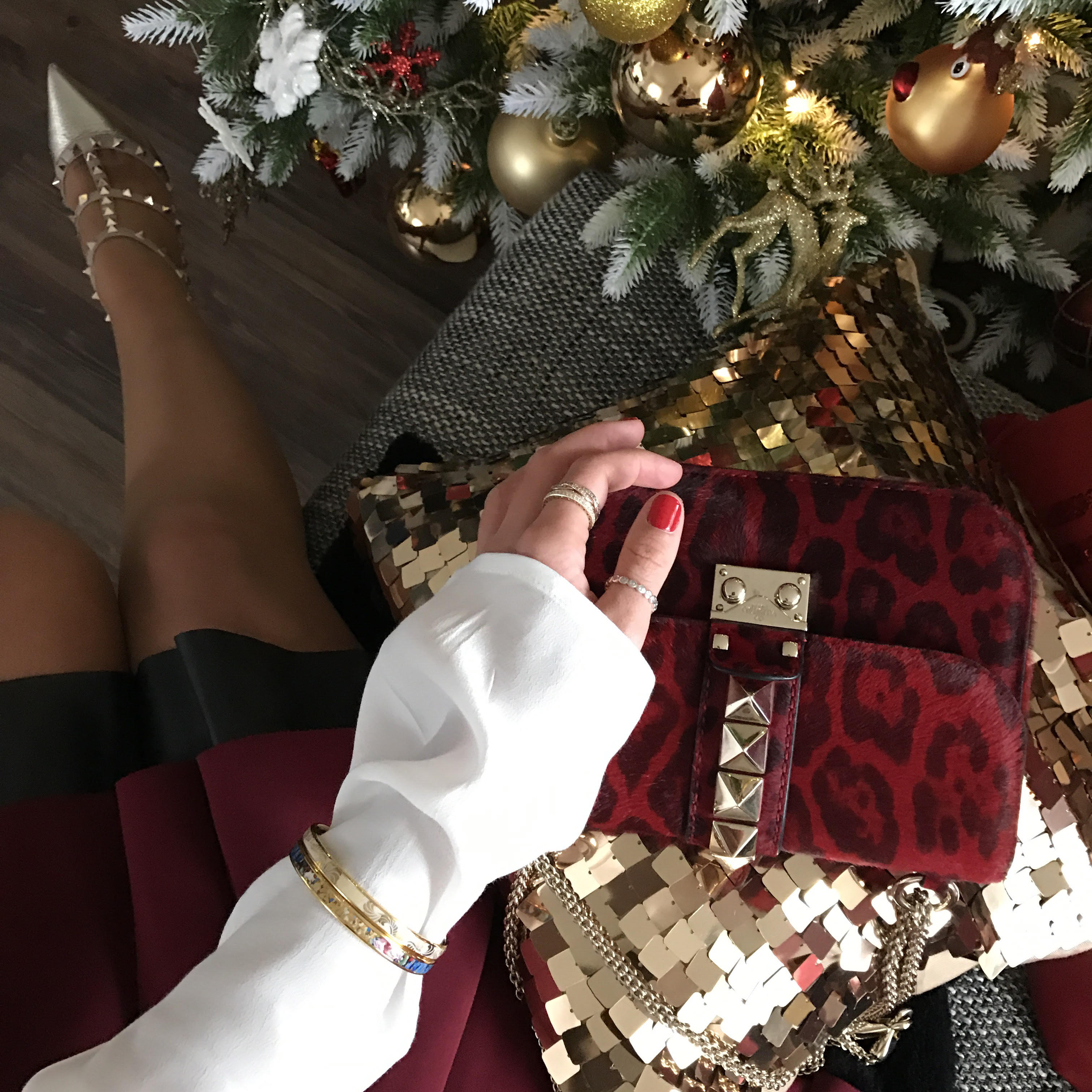 outfit-freywill-bracelets-details-valentino-bag