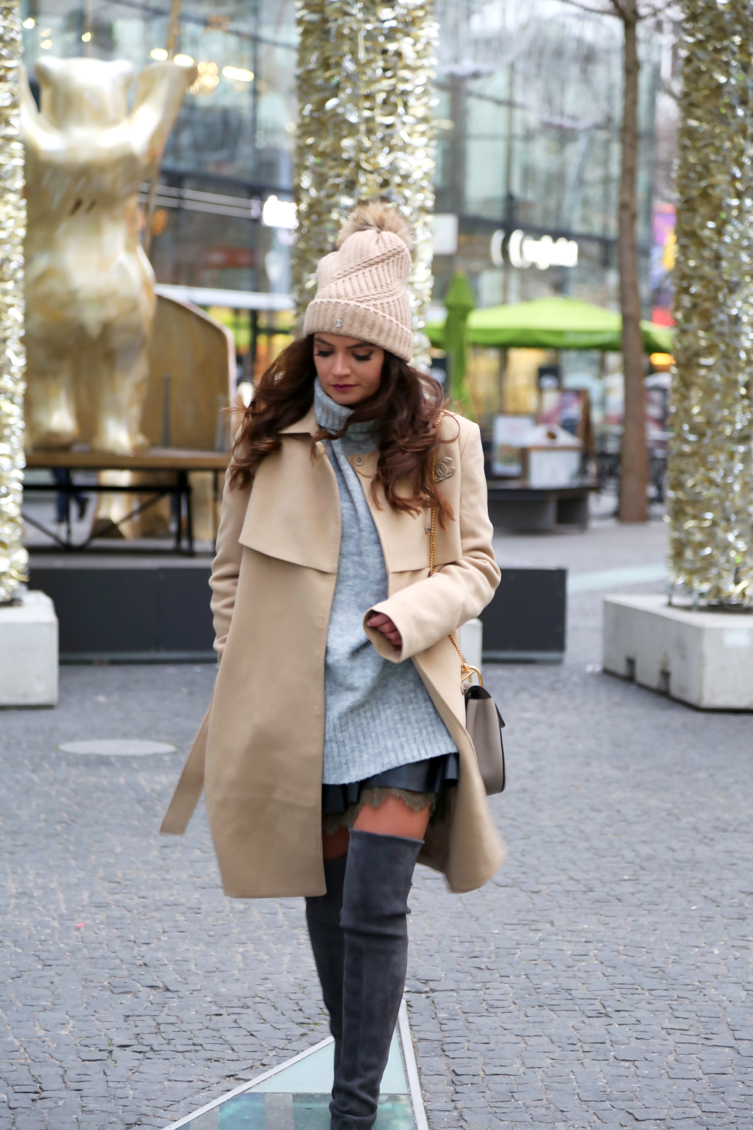 outfit-mbfwb-look-winter-edited-sweater-camel-coat-weitzman-overknees