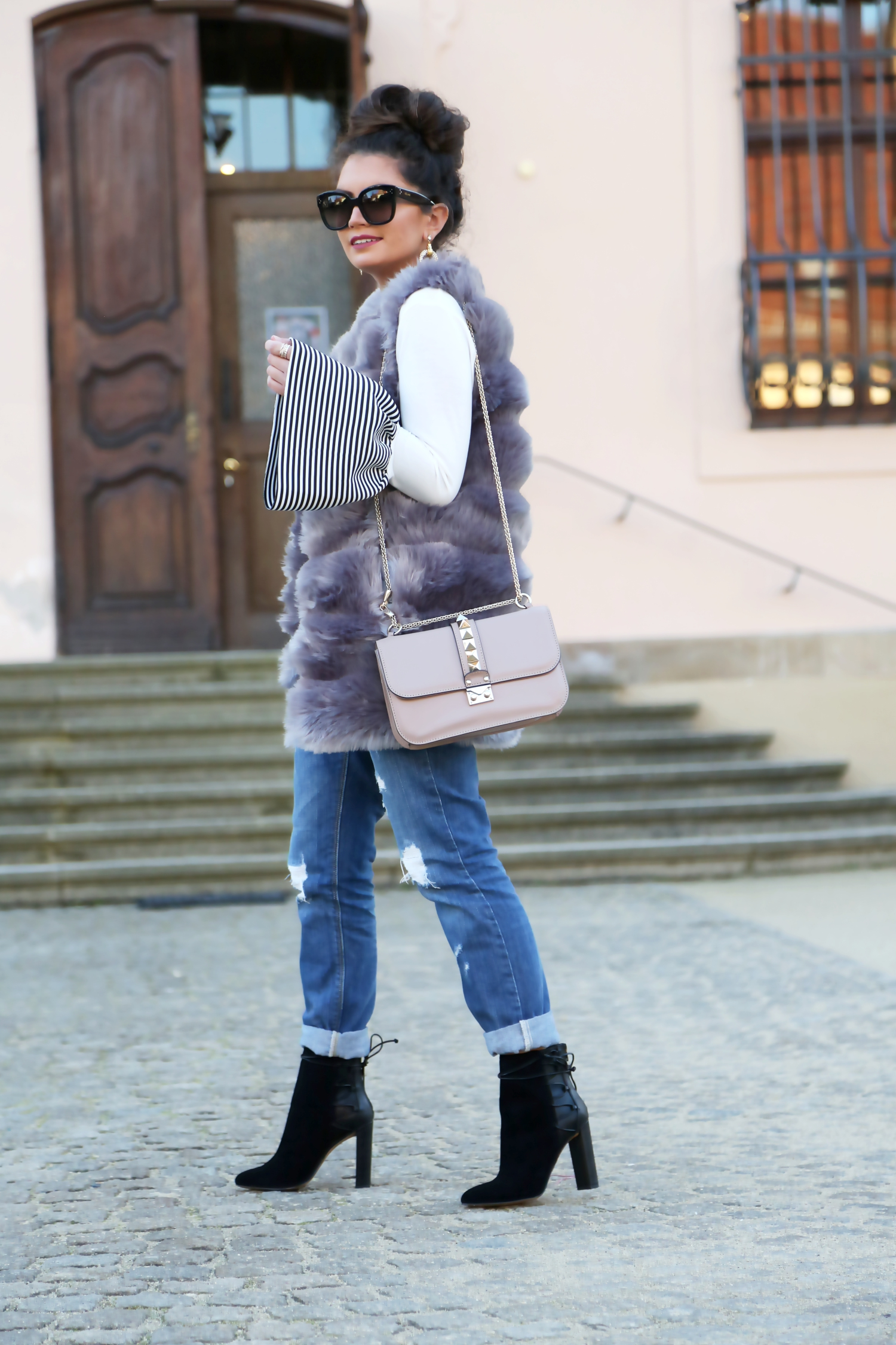 outfit-winter-look-faux-vest-aldo-booties-sarenza