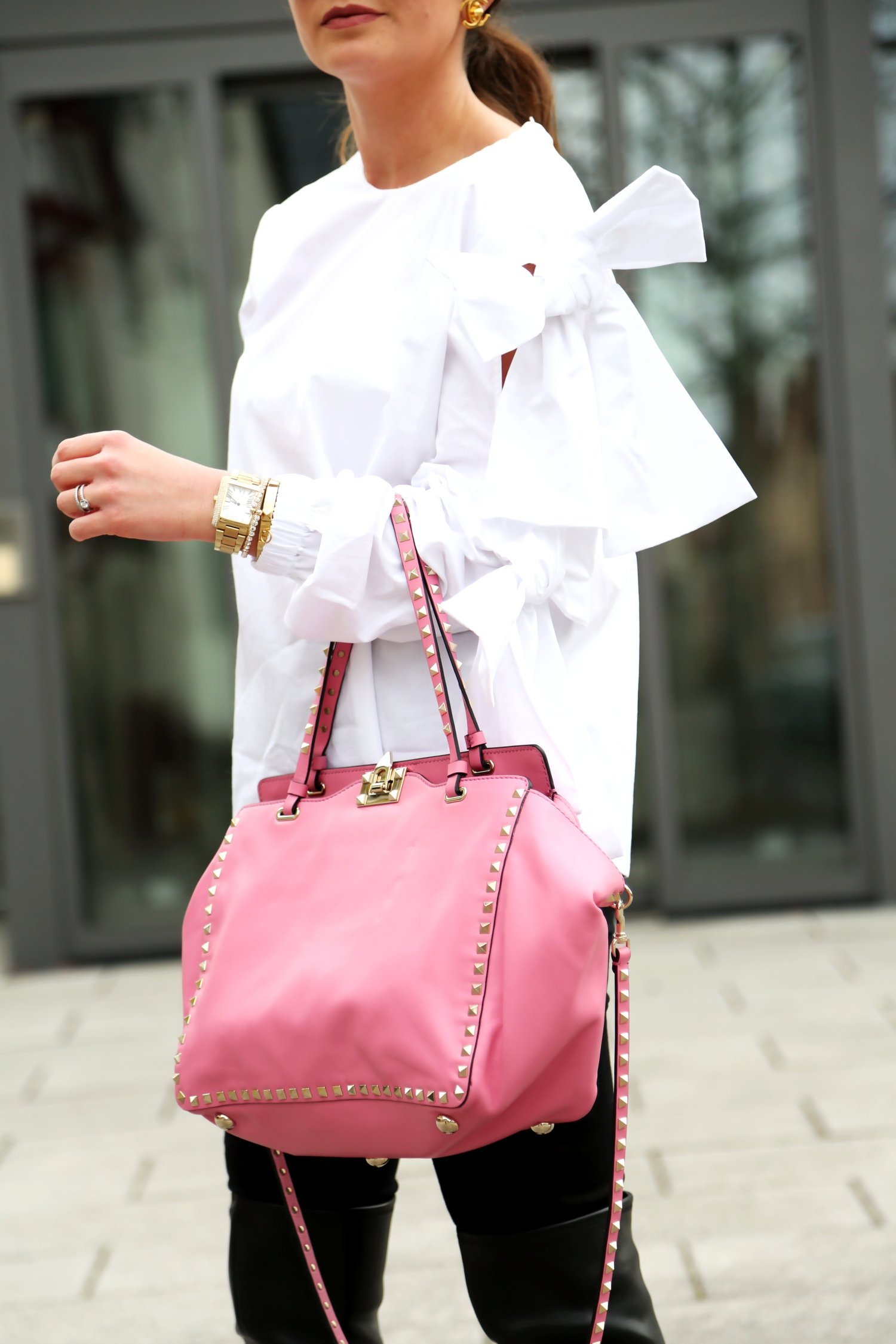 outfit-details-bow-blouse-valentino-bag-pink