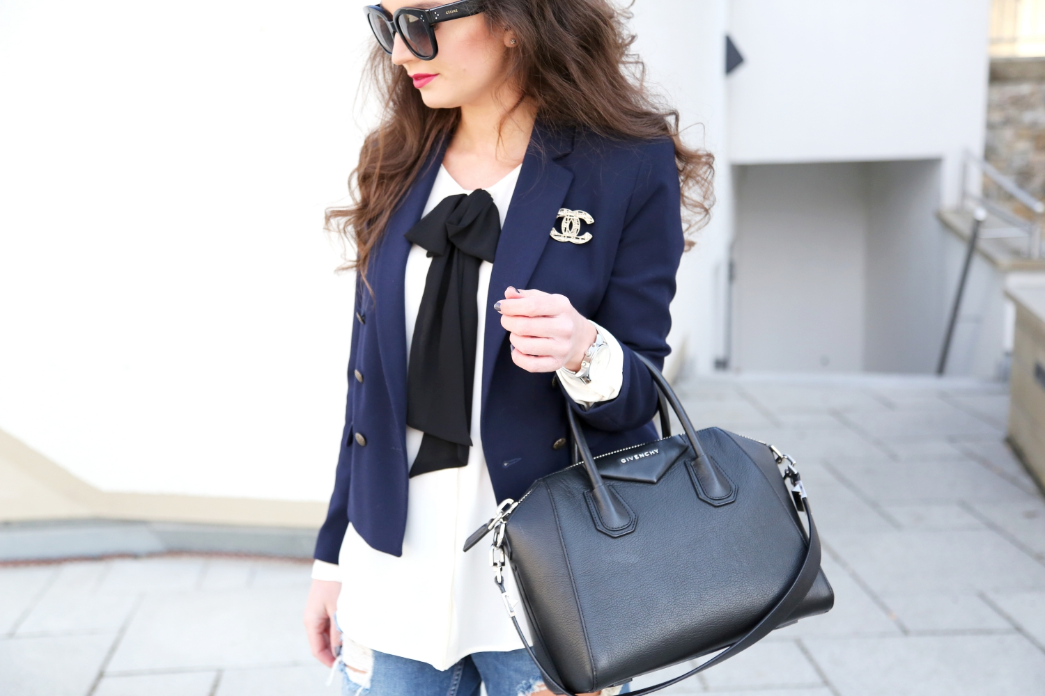 outfit-fashionhippieloves-celine-audrey-givenchy-antigona-chanel-brooch-pin-silver-2