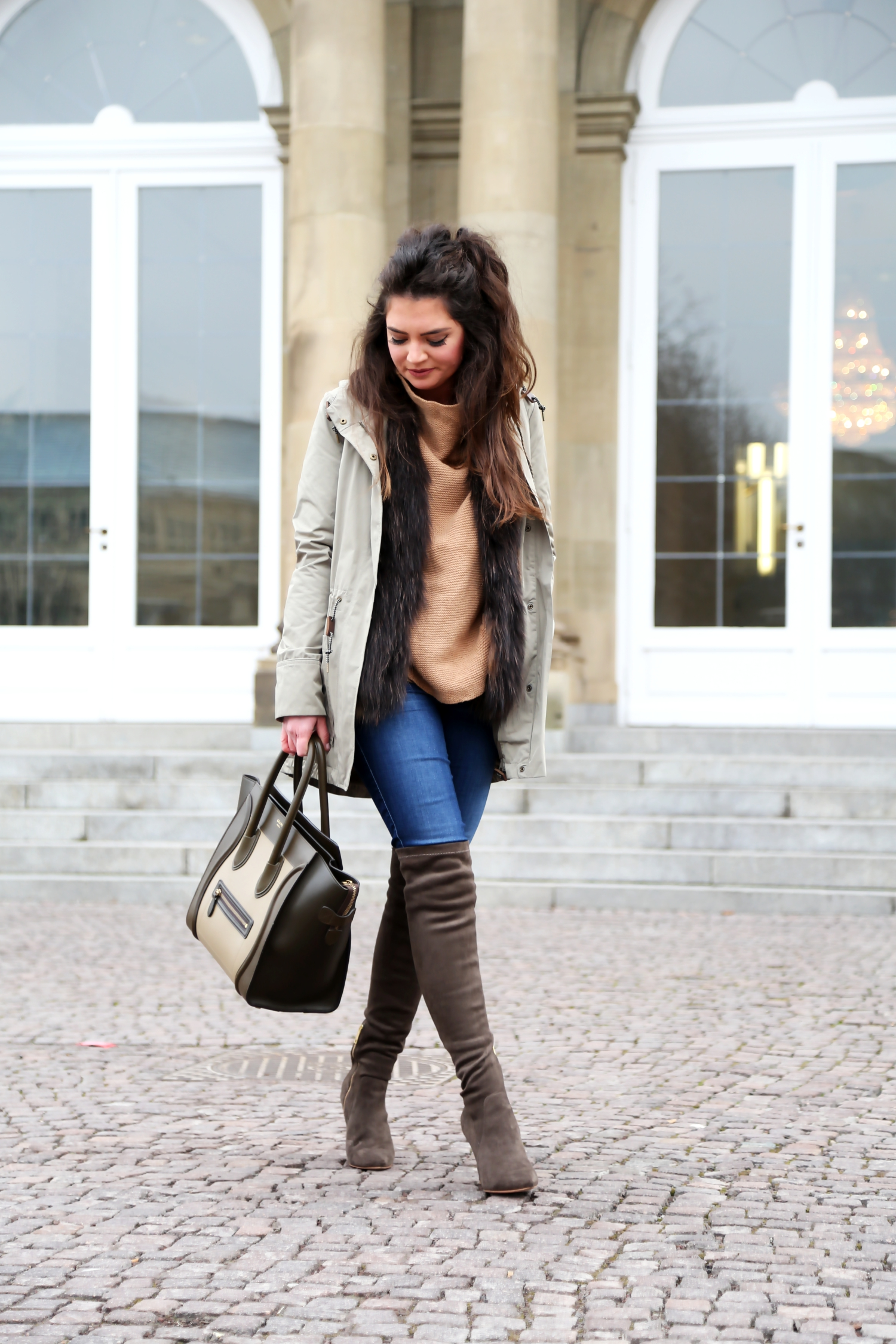 outfit-joie-overknees-celine-luggage-bag-winter-look