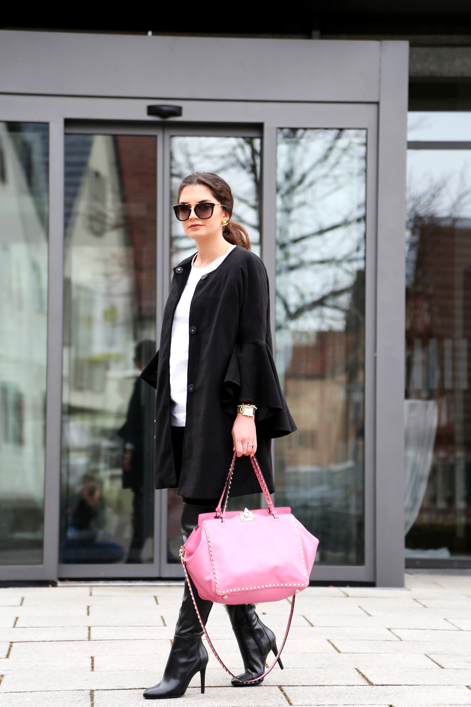 outfit-valentino-bag-prada-sunglasses-winter-look-overknees-fashionblogger