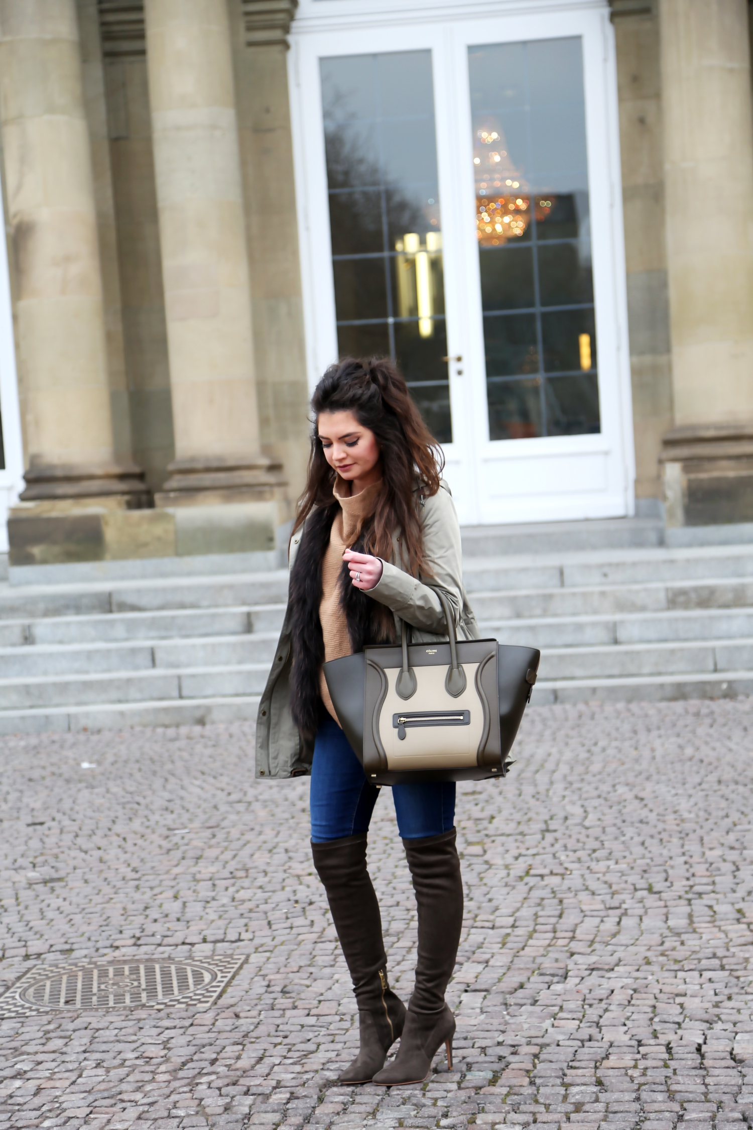 outfit-winter-look-celine-bag-overknees