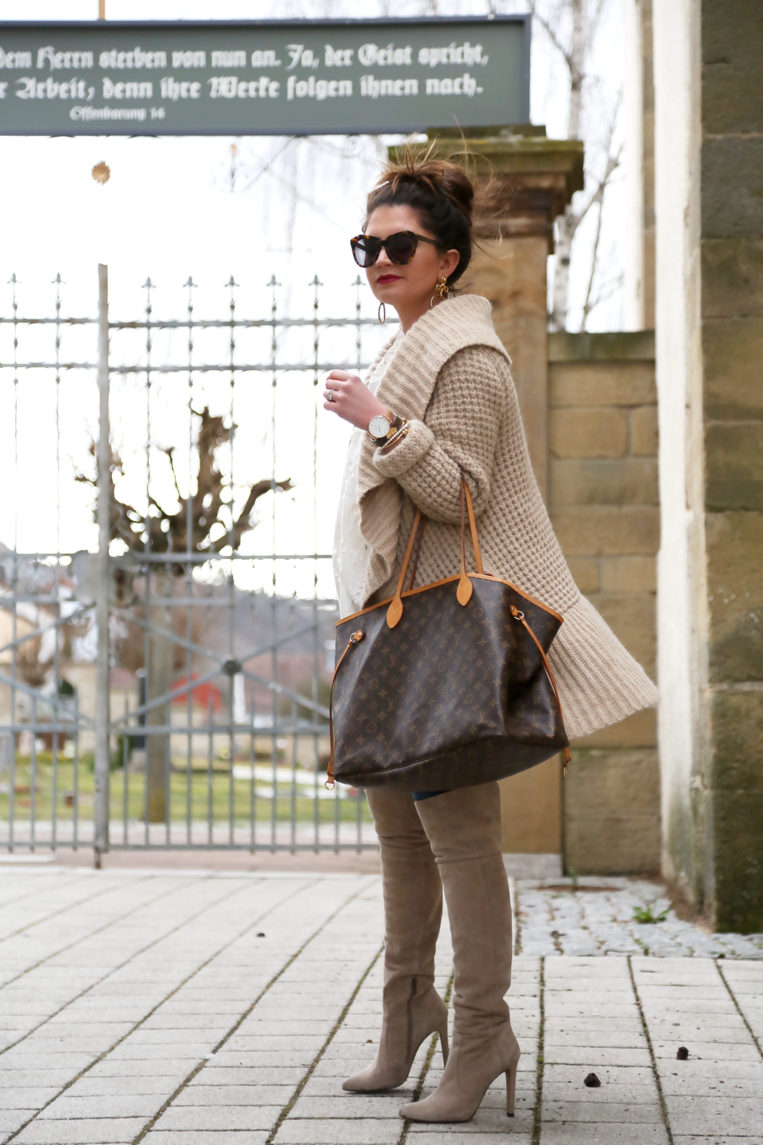 outfit-cardigan-louisvuitton-bag-fashionblogger-winter-look