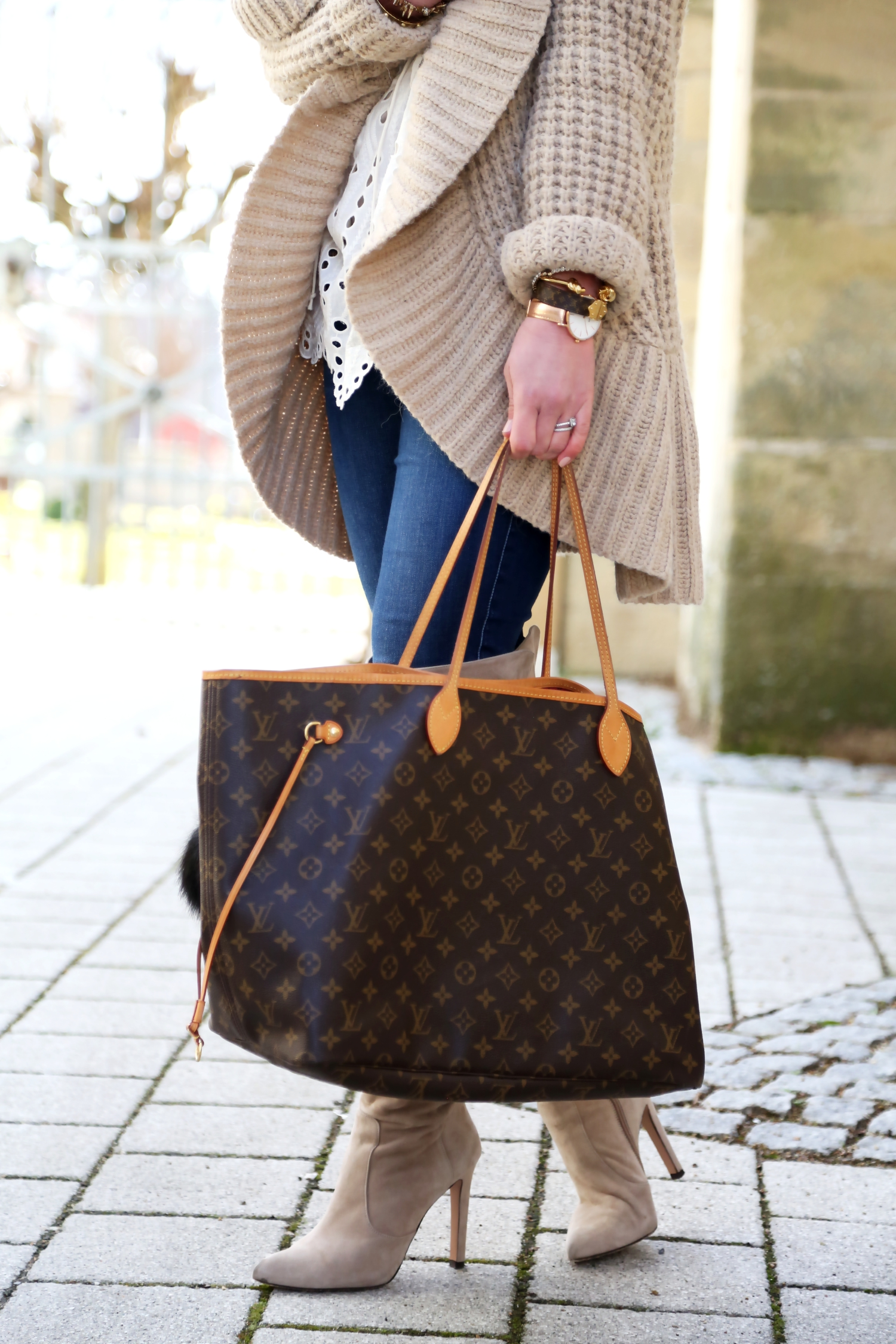 outfit-details-louis-vuitton-bag-cardigan-wool