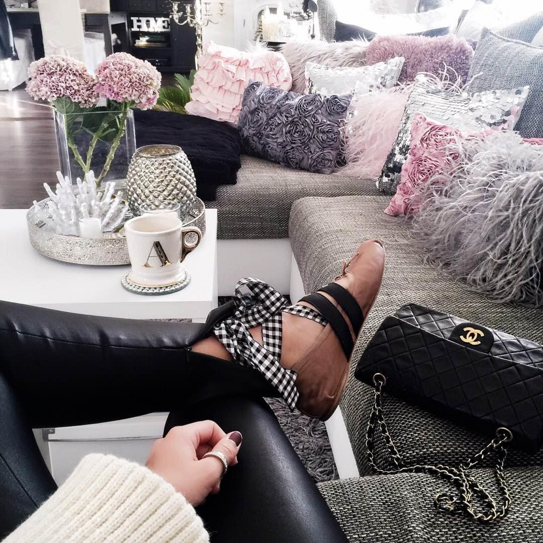 outfit-details-miu-miu-ballerinas-chanel-bag-edited-sweater-leather-pants-fashionhippieloves-home