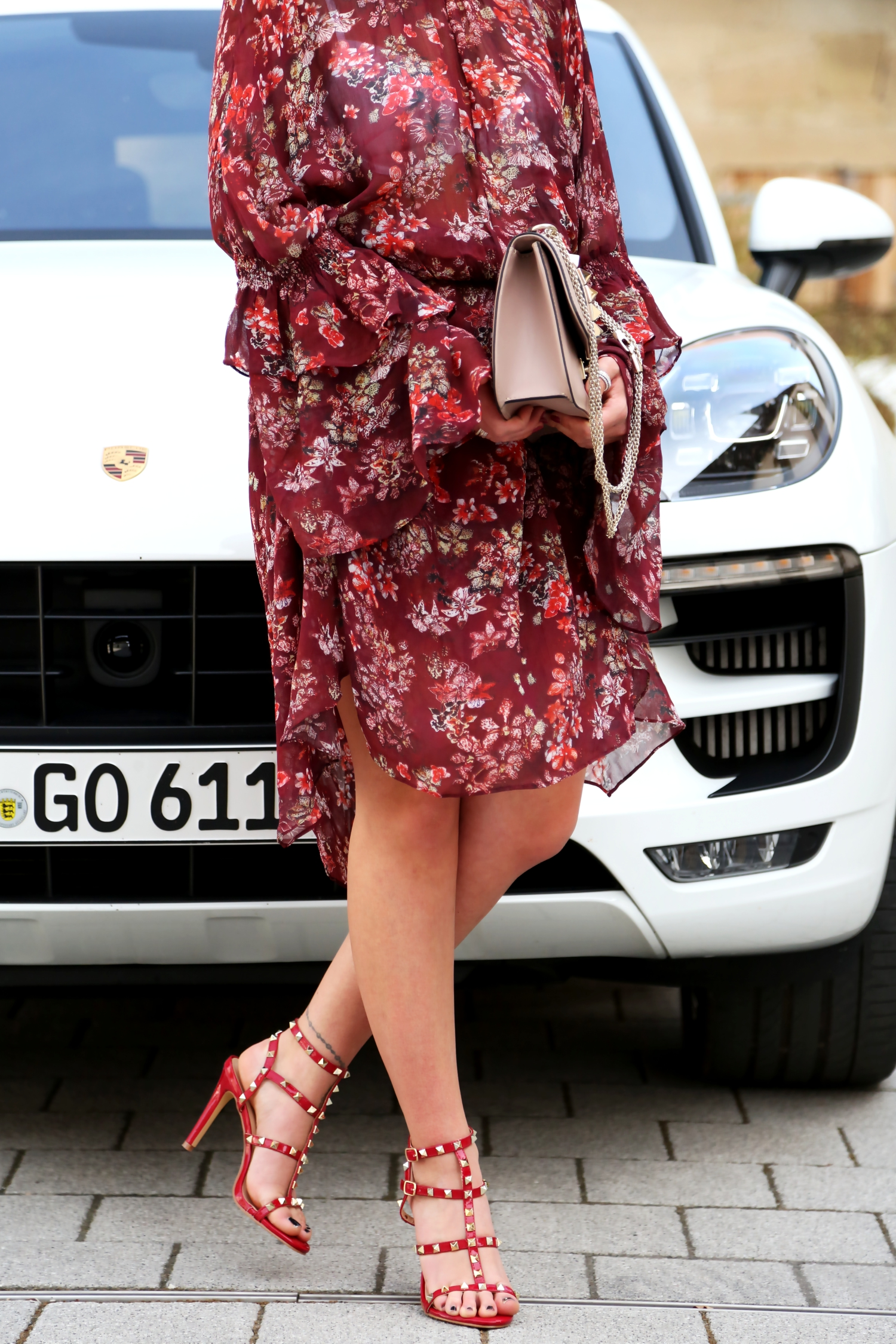 outfit-iro-paris-dress-flowers