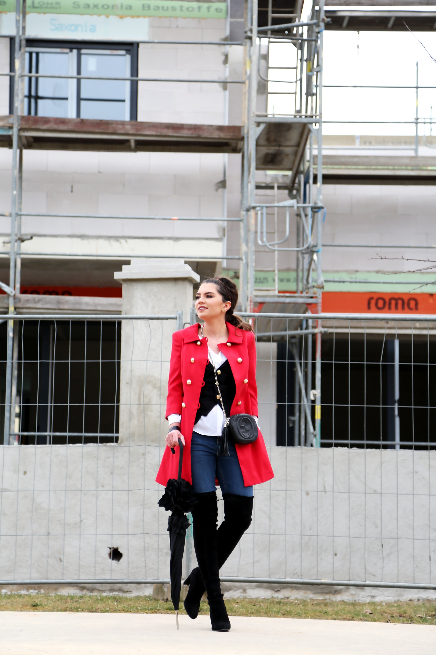 outfit-red-coat-military-overknees-stuart-weitzman-black