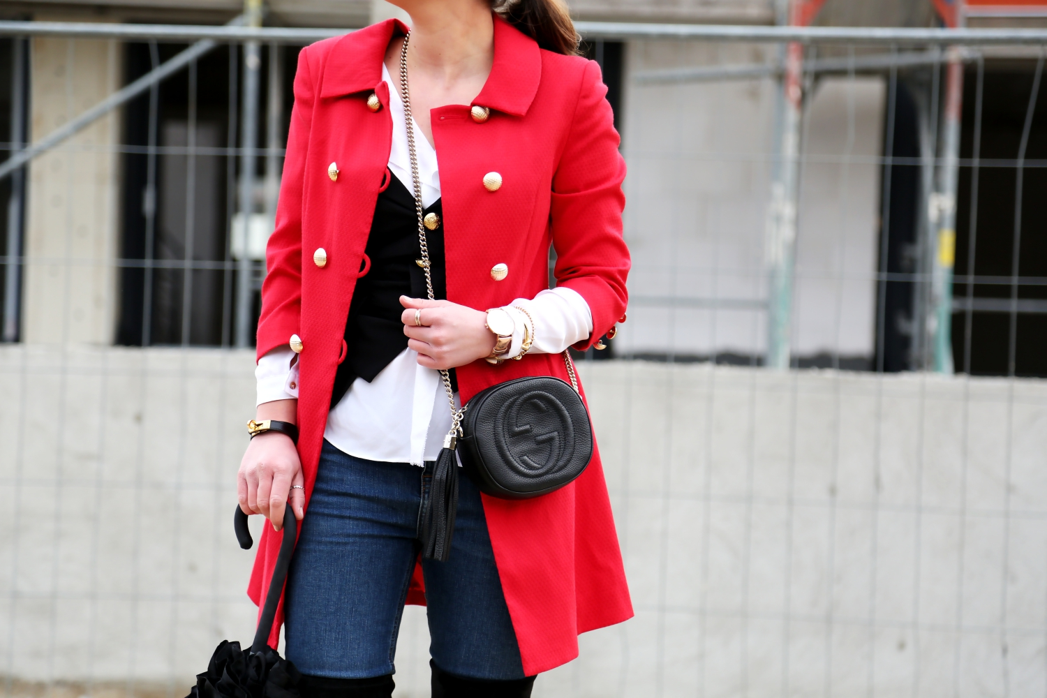 outfit-red-military-coat-overknees-gucci-soho-bag