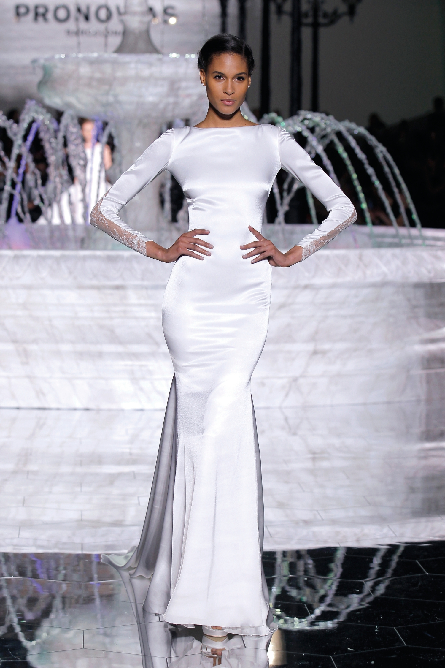 1-PRONOVIAS FASHION SHOW_Rachel