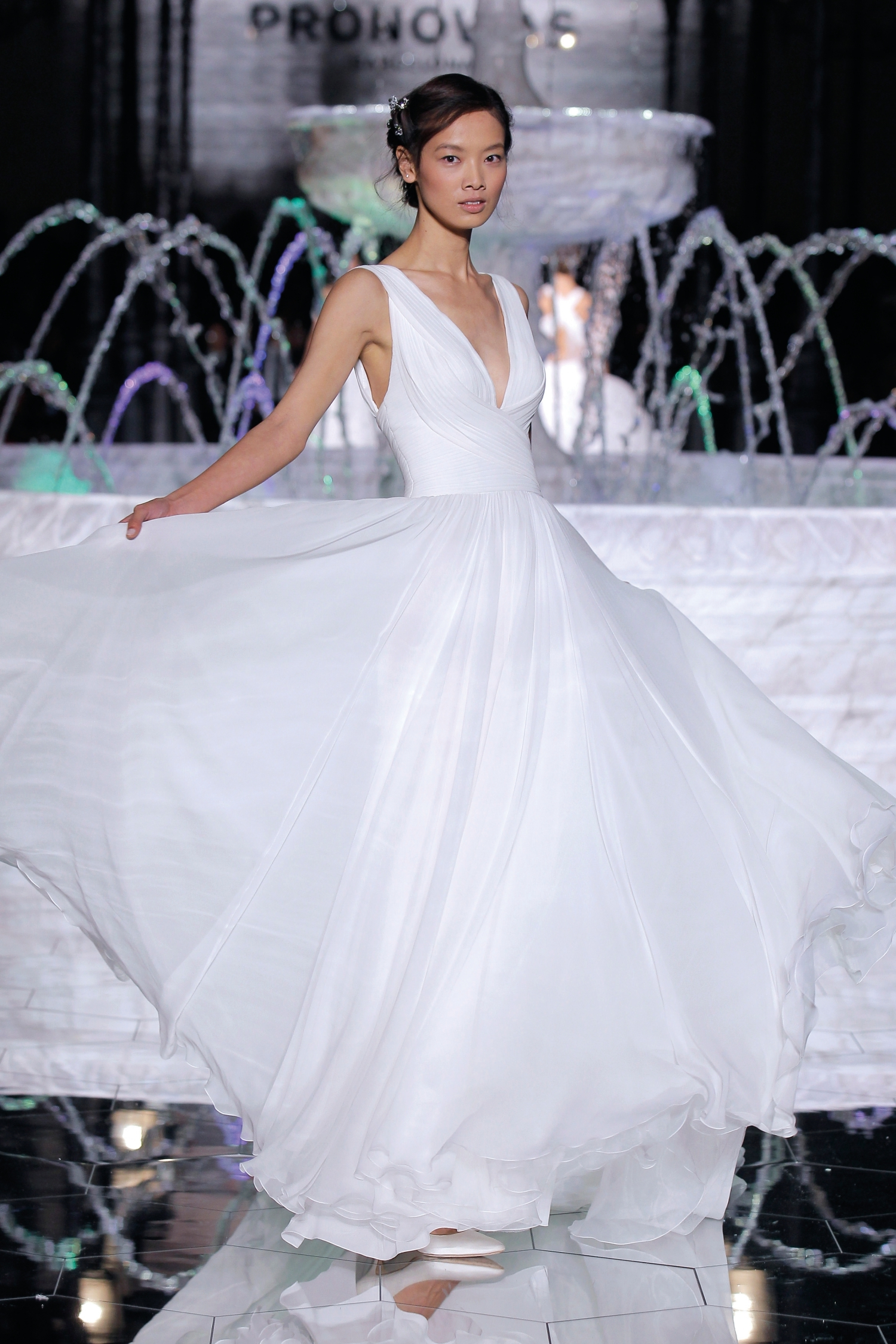 1-PRONOVIAS FASHION SHOW_Reinado