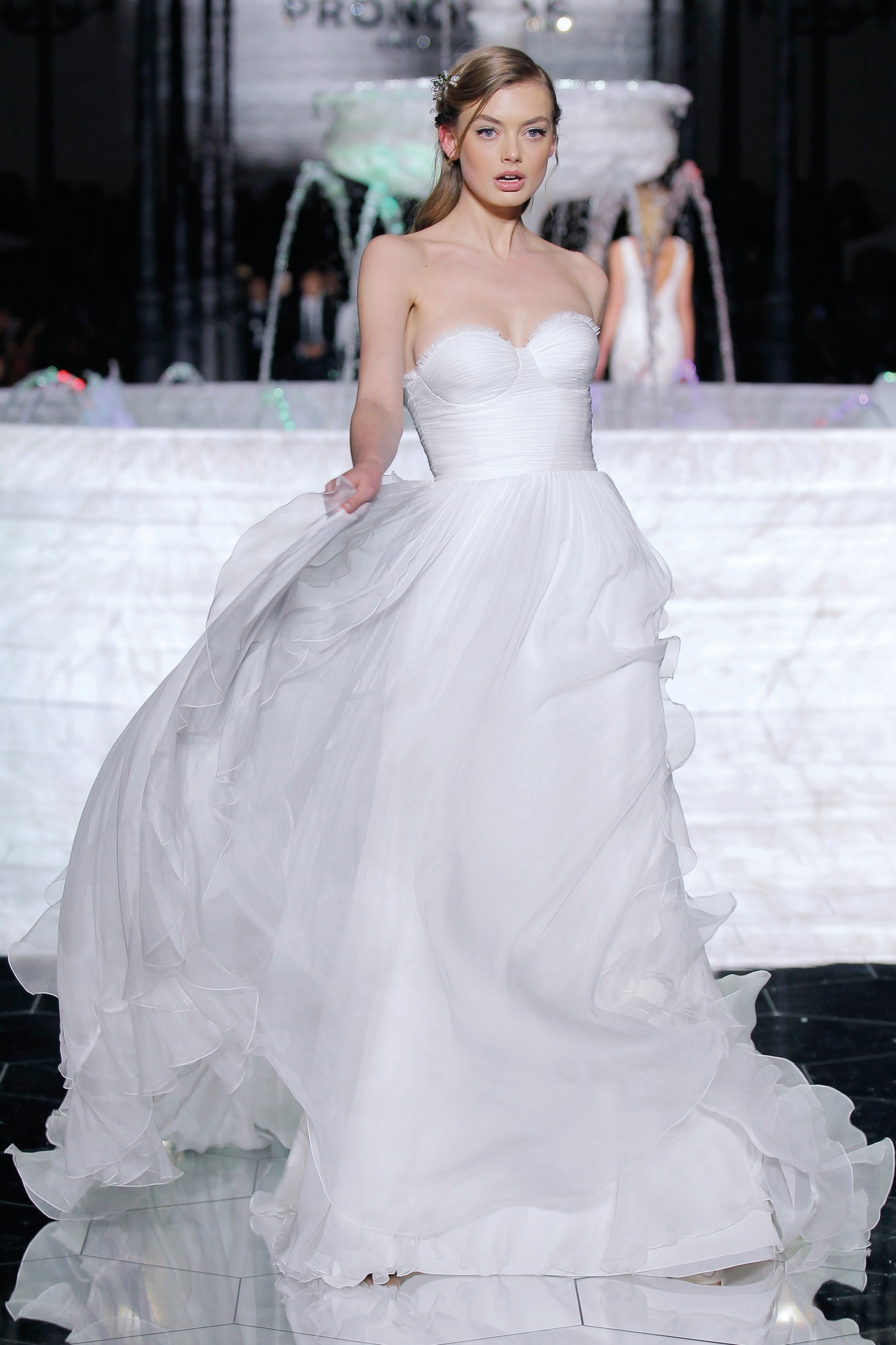 1-PRONOVIAS FASHION SHOW_Relisa