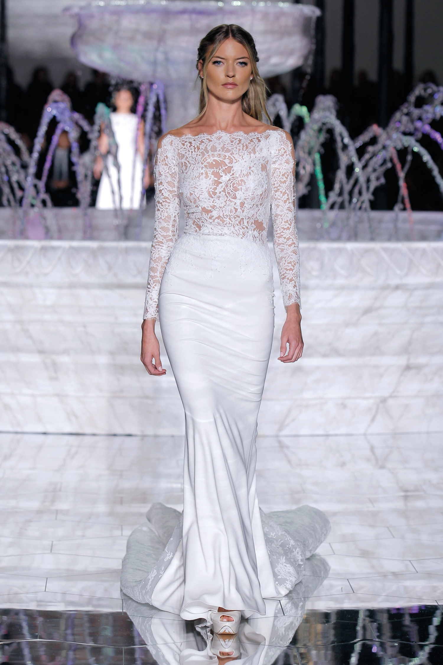 1-PRONOVIAS FASHION SHOW_Renat