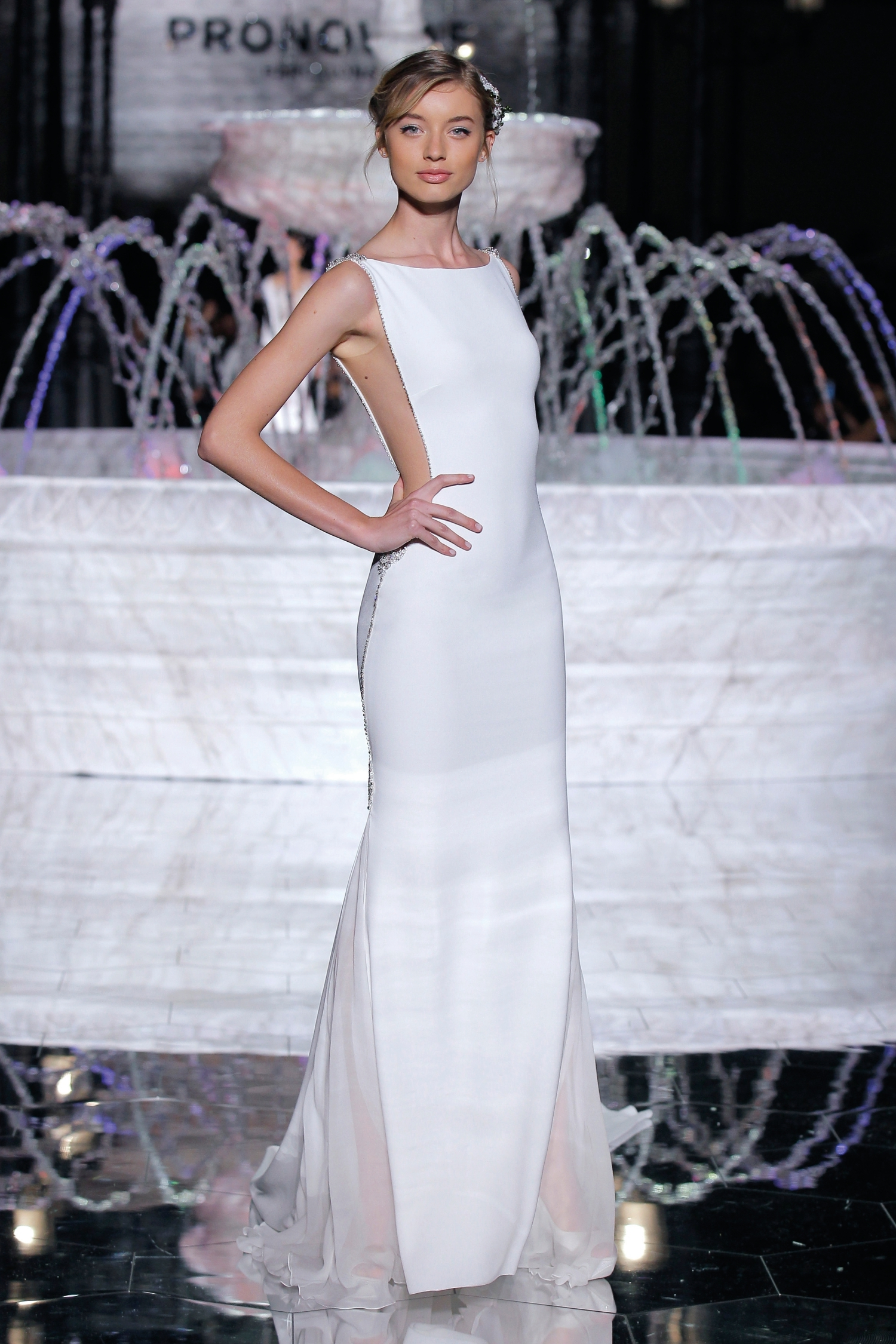 1-PRONOVIAS FASHION SHOW_Rierol