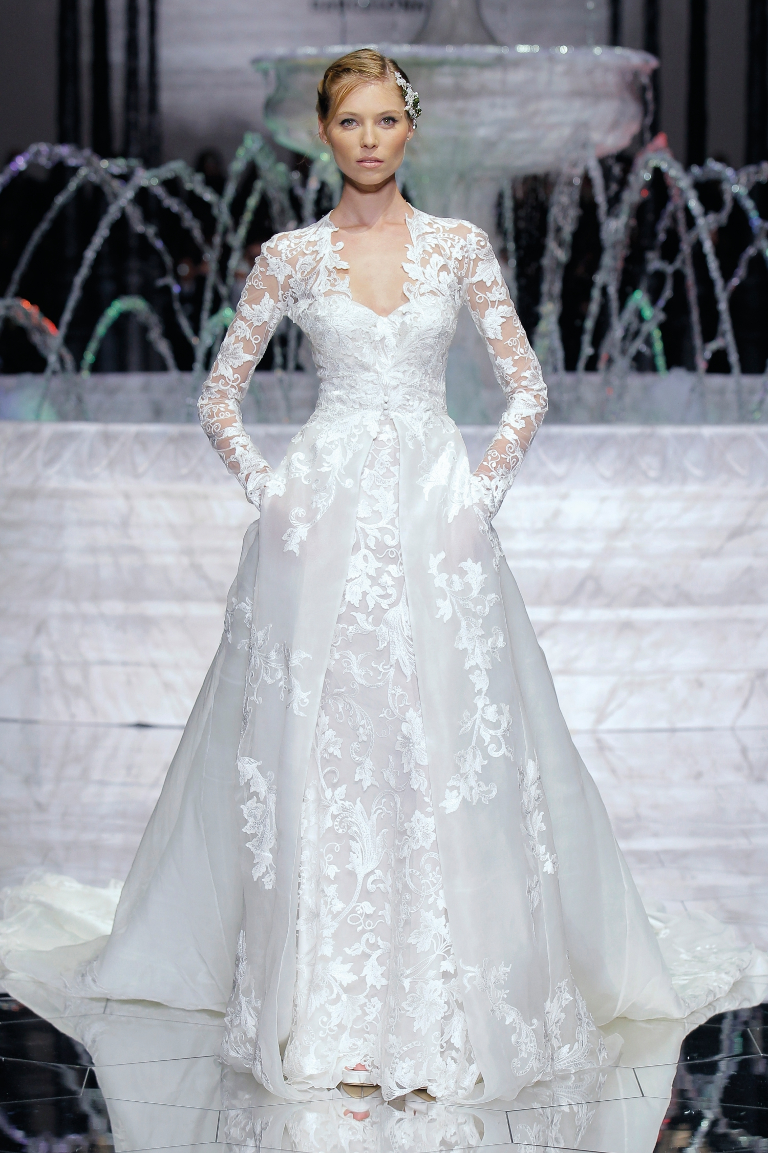 1-PRONOVIAS FASHION SHOW_Rima