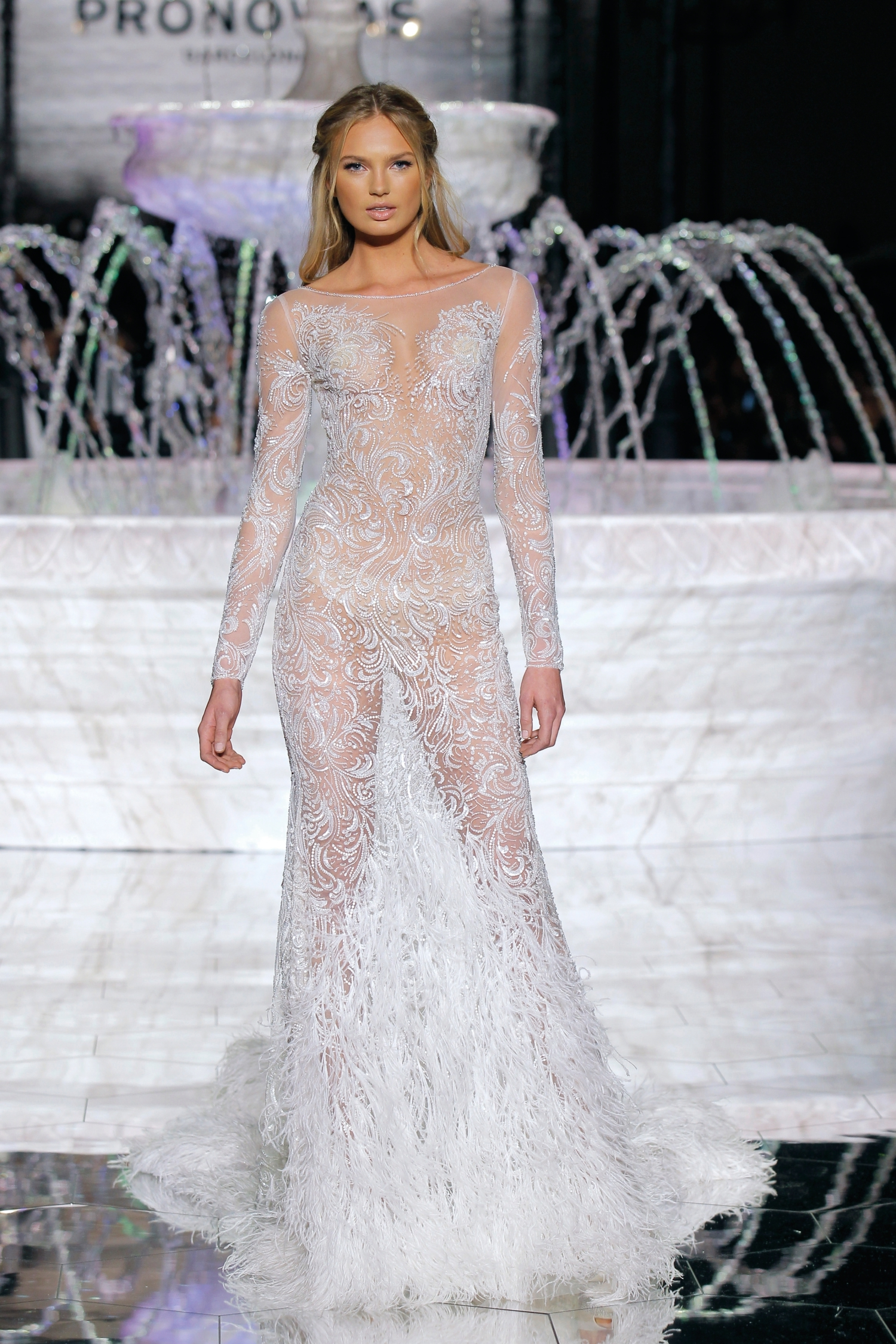 1-PRONOVIAS FASHION SHOW_Risuena