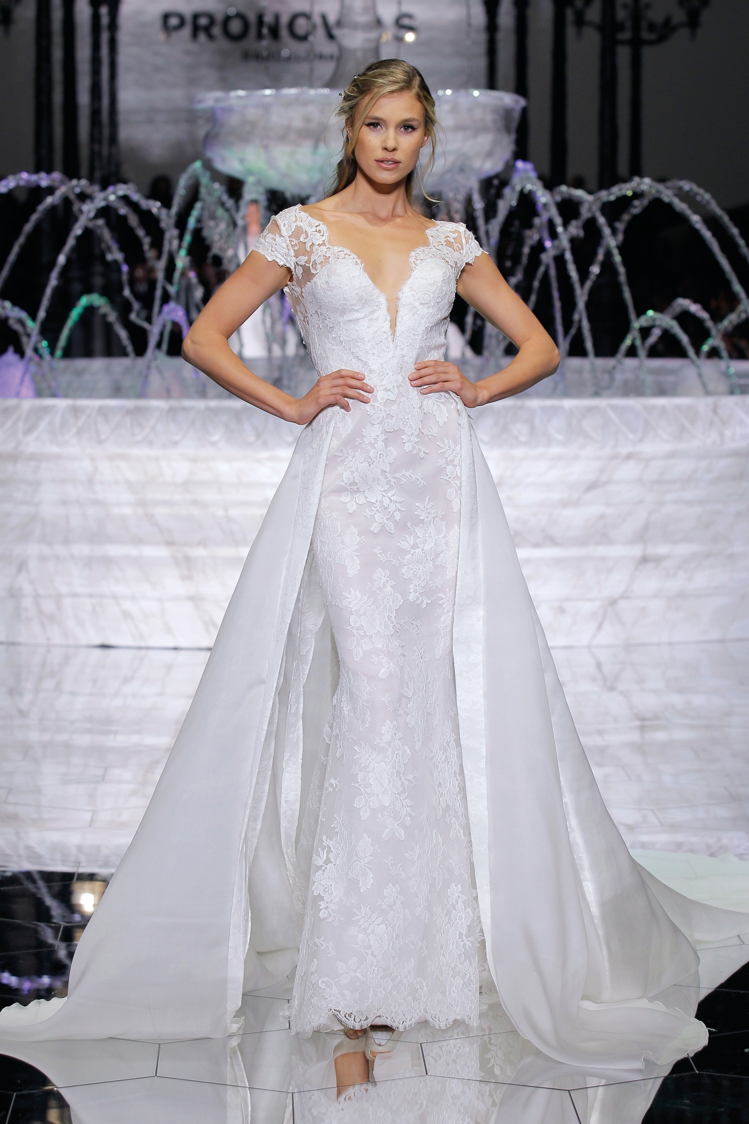 1-PRONOVIAS FASHION SHOW_Ritmo