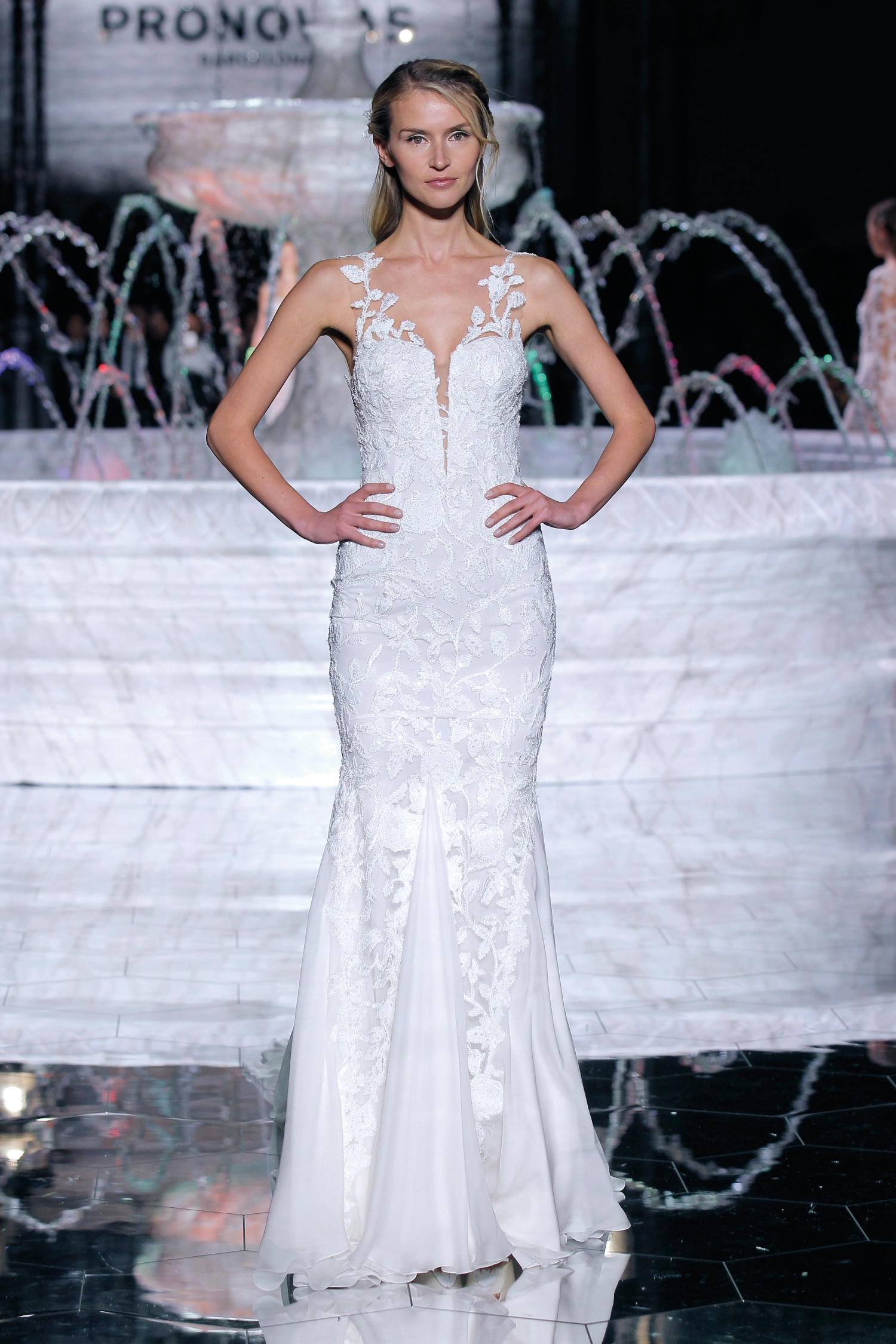 1-PRONOVIAS FASHION SHOW_Romana